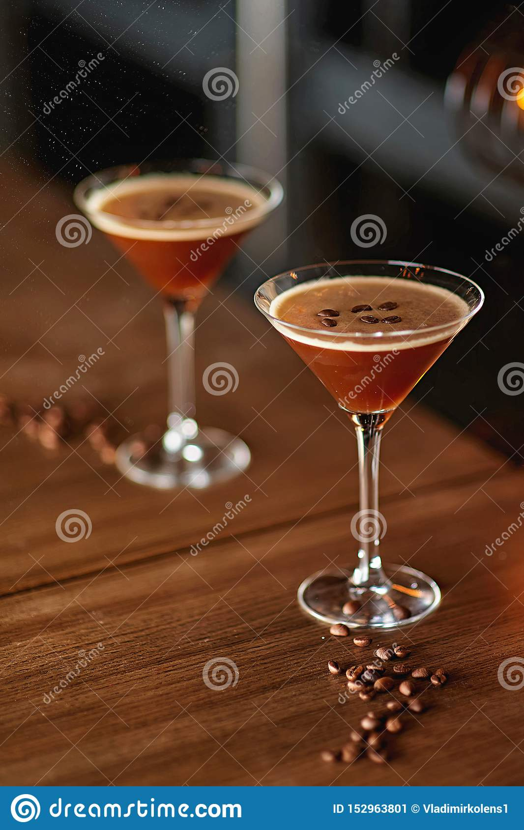Alkoholu koktajlu plamy tło