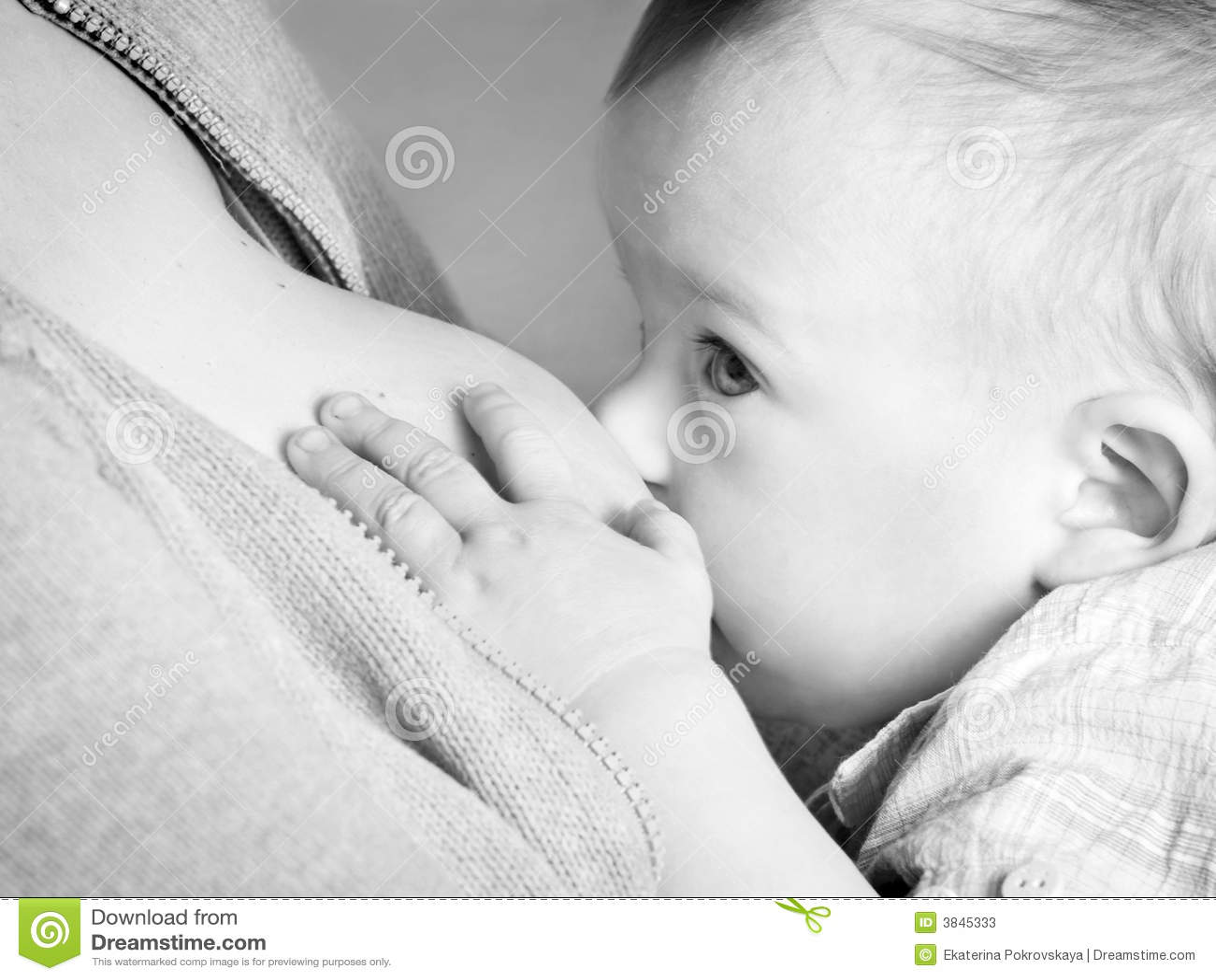 Allattamento al seno del bambino