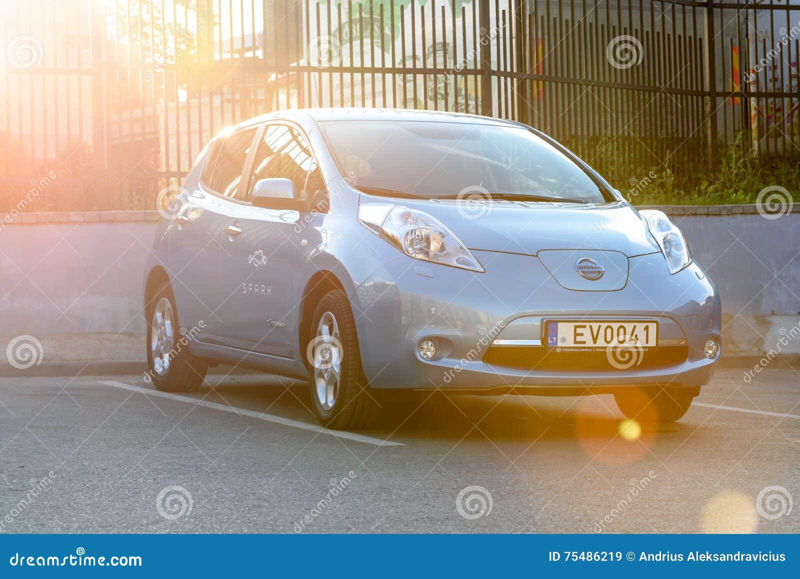 Alle Elektrische Auto Nissan Leaf Redactionele Stock Afbeelding