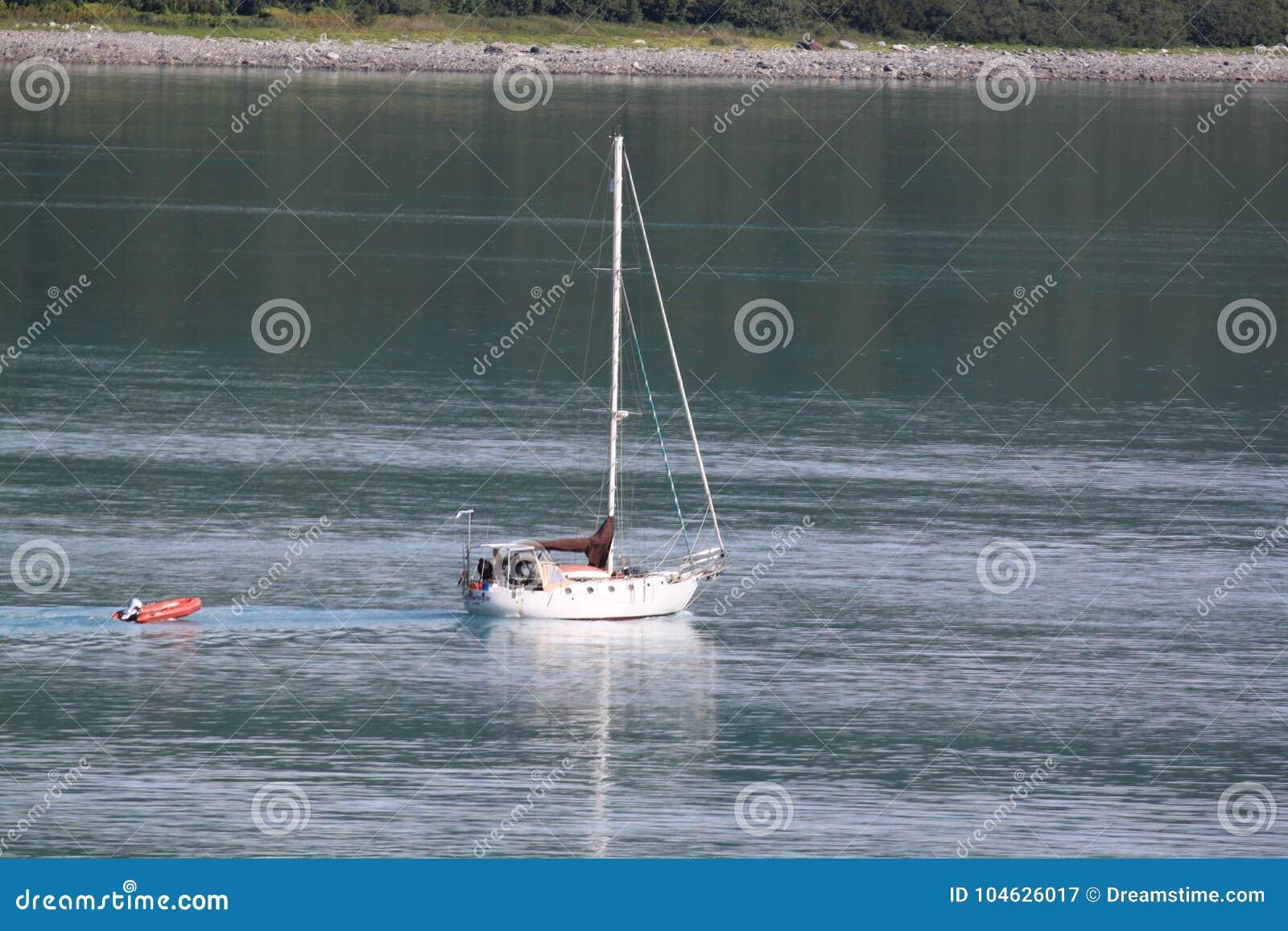 Download Alleen in de baai stock afbeelding. Afbeelding bestaande uit solitude - 104626017