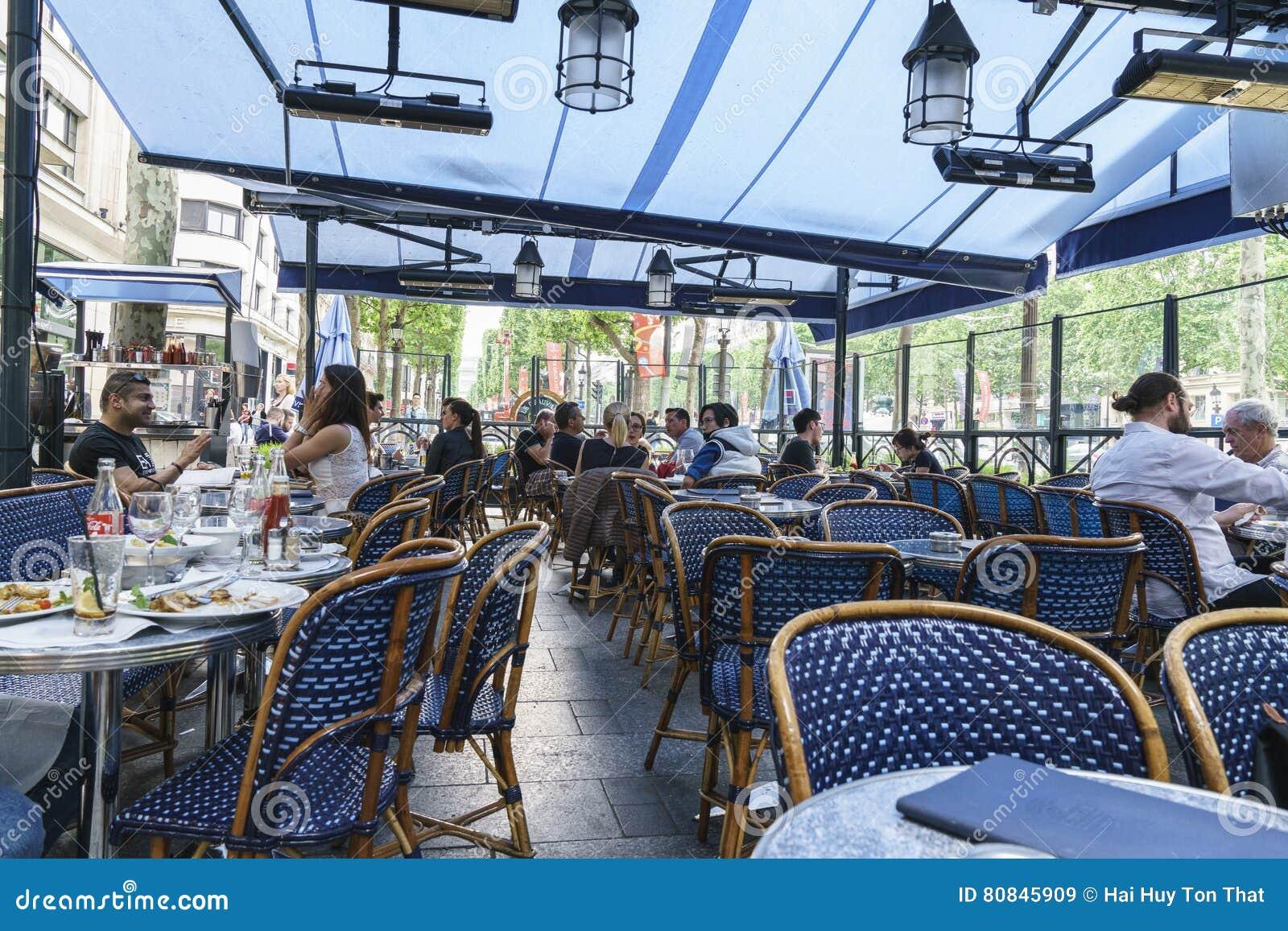 Alleen-DES Champs-Elysees, Paris