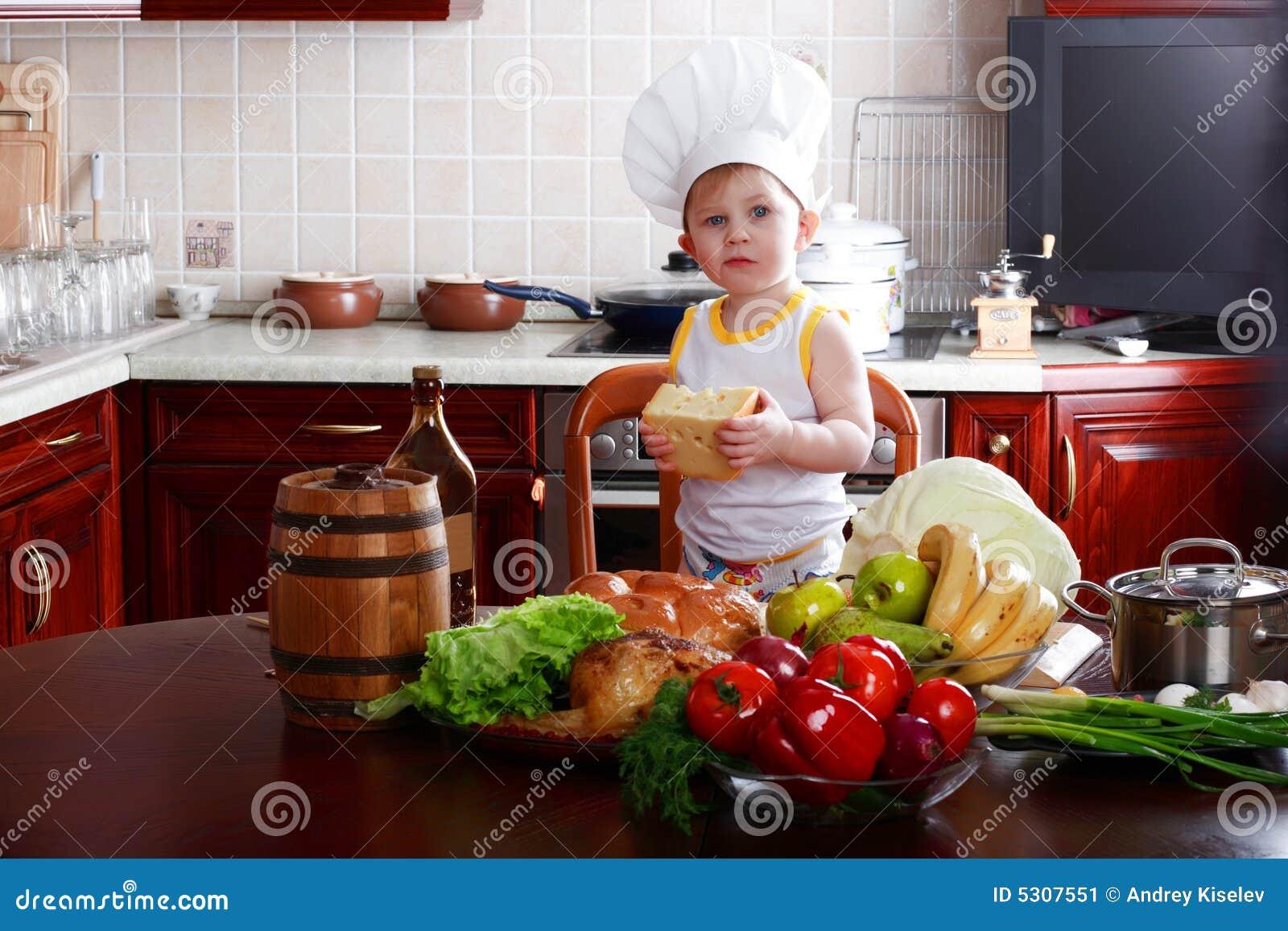 Download Allegro immagine stock. Immagine di bambino, bambini, ragazzo - 5307551