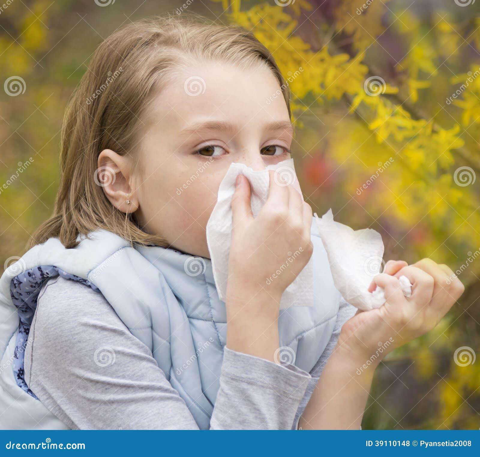 Allergisch Rhinitis een klein meisje.