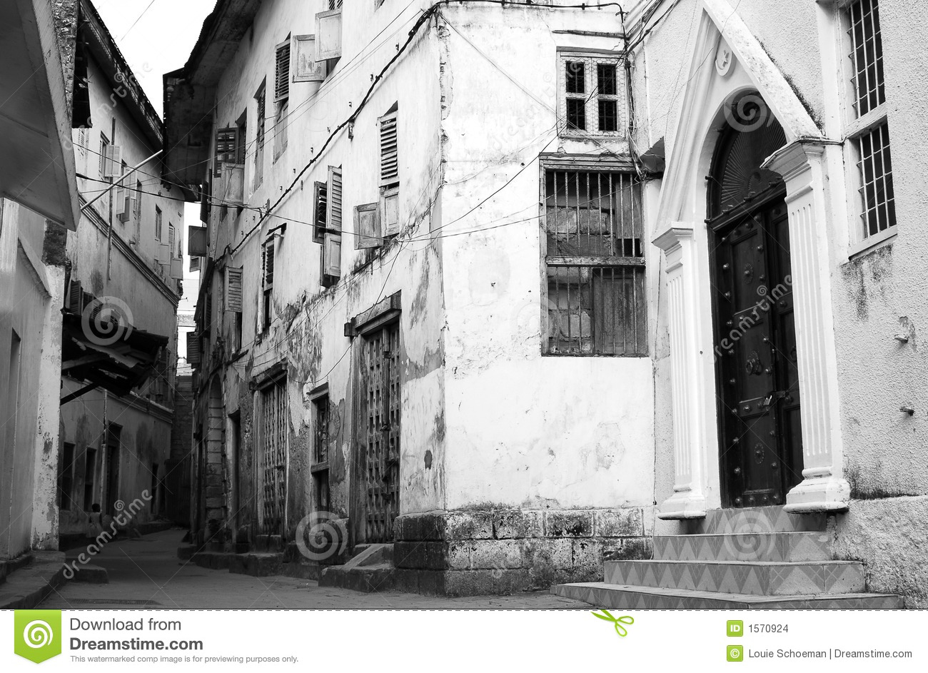 Alley stone town zanzibar 2 stock images image 1570924 for Zanzibar house music