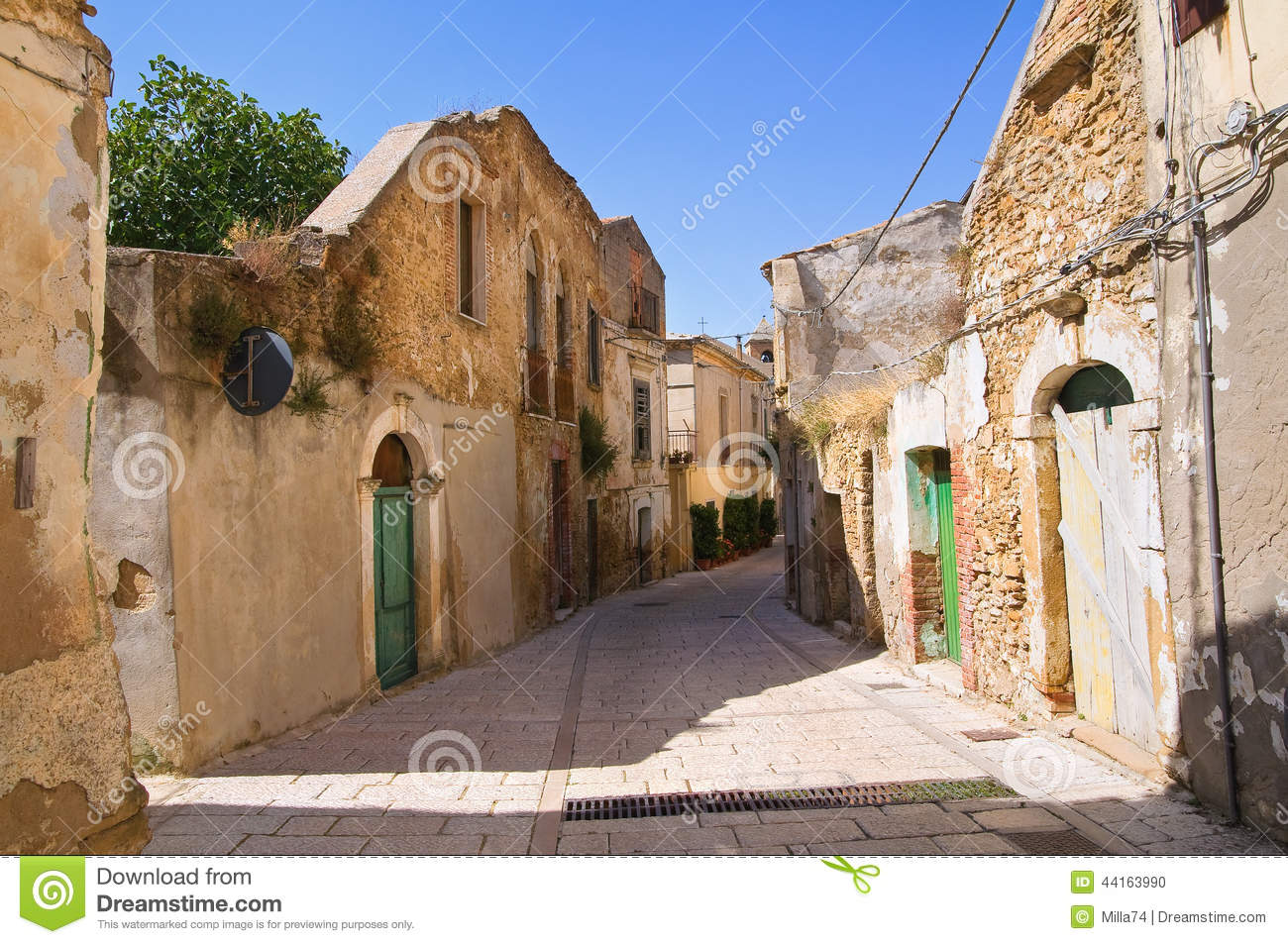 genzano di lucania singles Current local time in genzano di lucania - check correct time in genzano di lucania, basilicata, italy, summer/winter time, standard offset to gmt and time conversion dates for daylight savings time 2018.