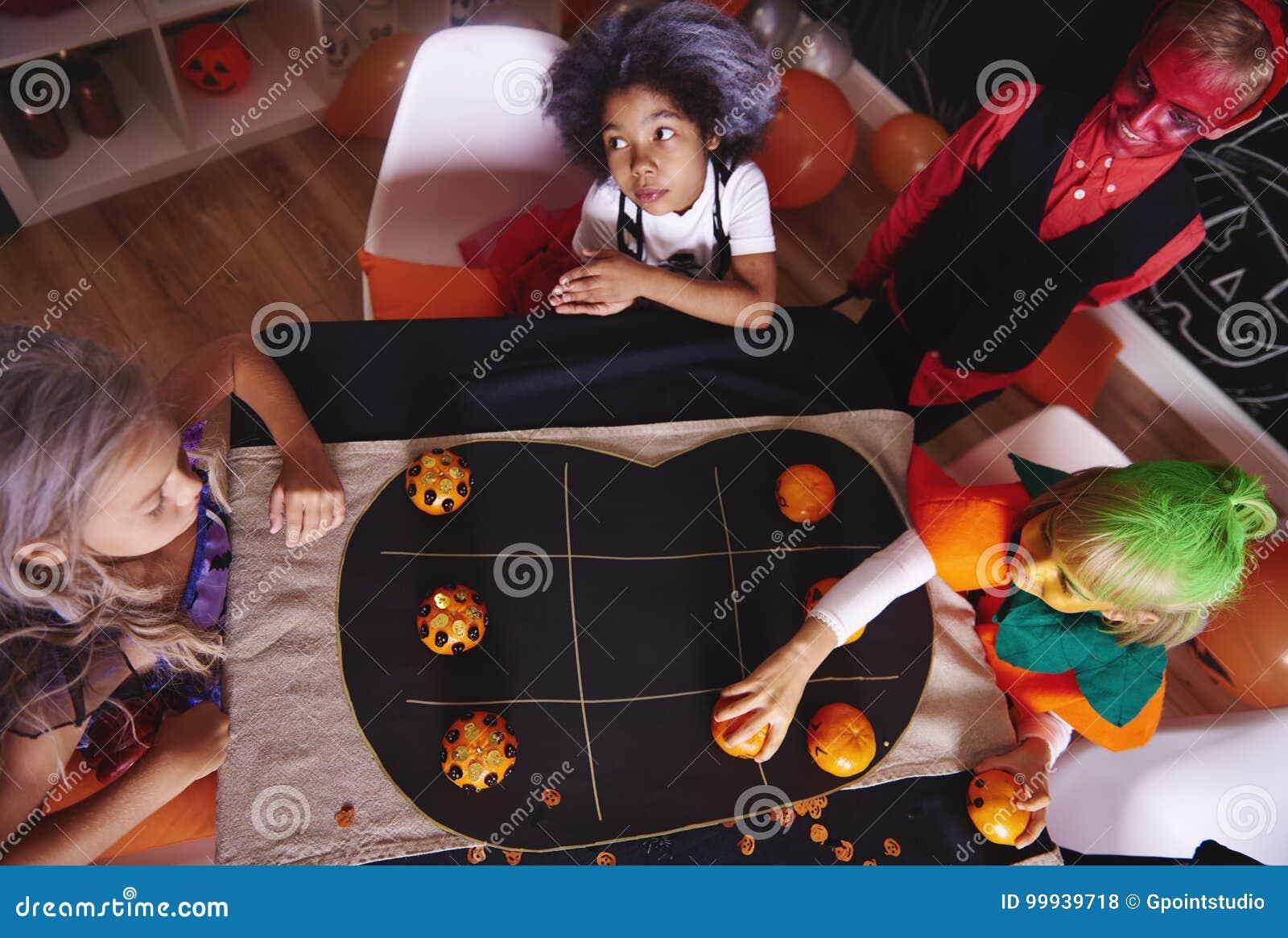 Allhelgonaaftonparti för ungar