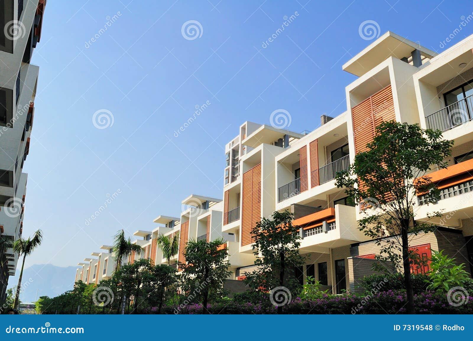 Alloggia il nuovo terrazzo due di righe