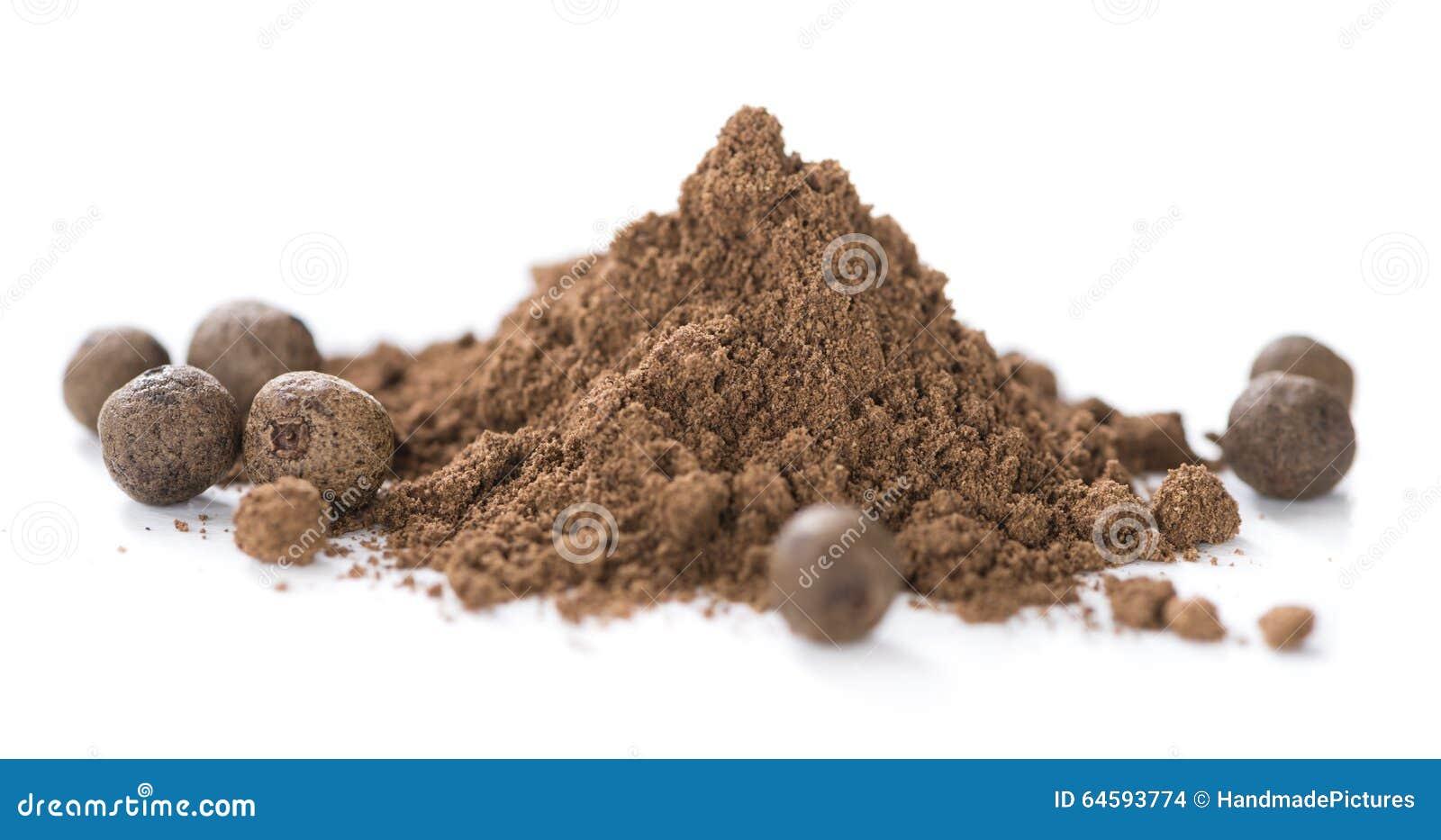 Allspice Powder (isolated on white)