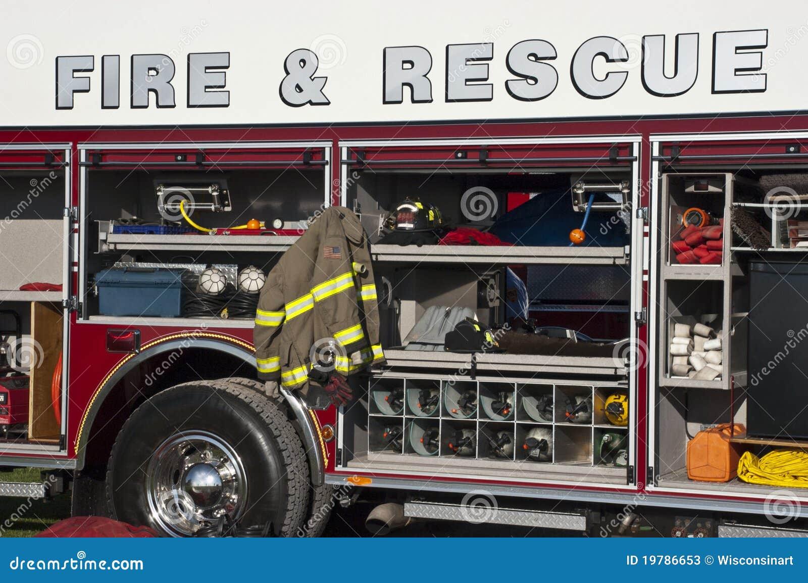 Allumez le concept de sauvetage, plan rapproché de Firetruck de secours