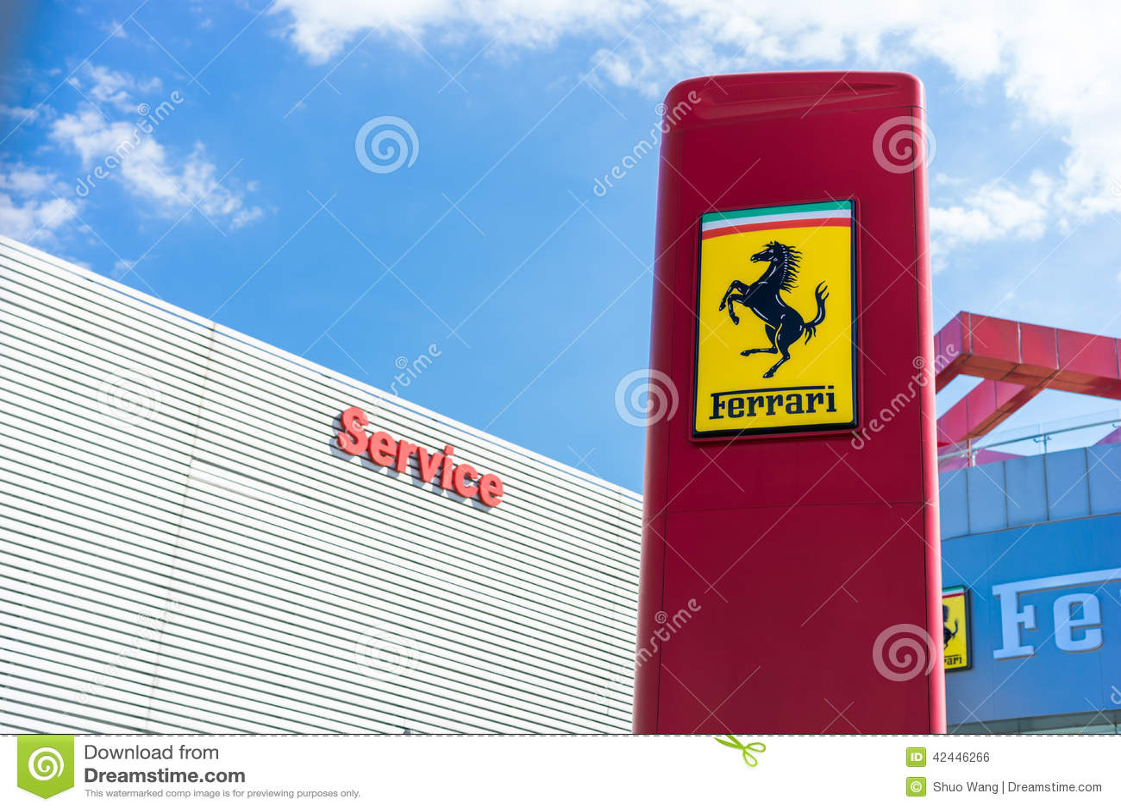 Almacén de Ferrari - Bucarest