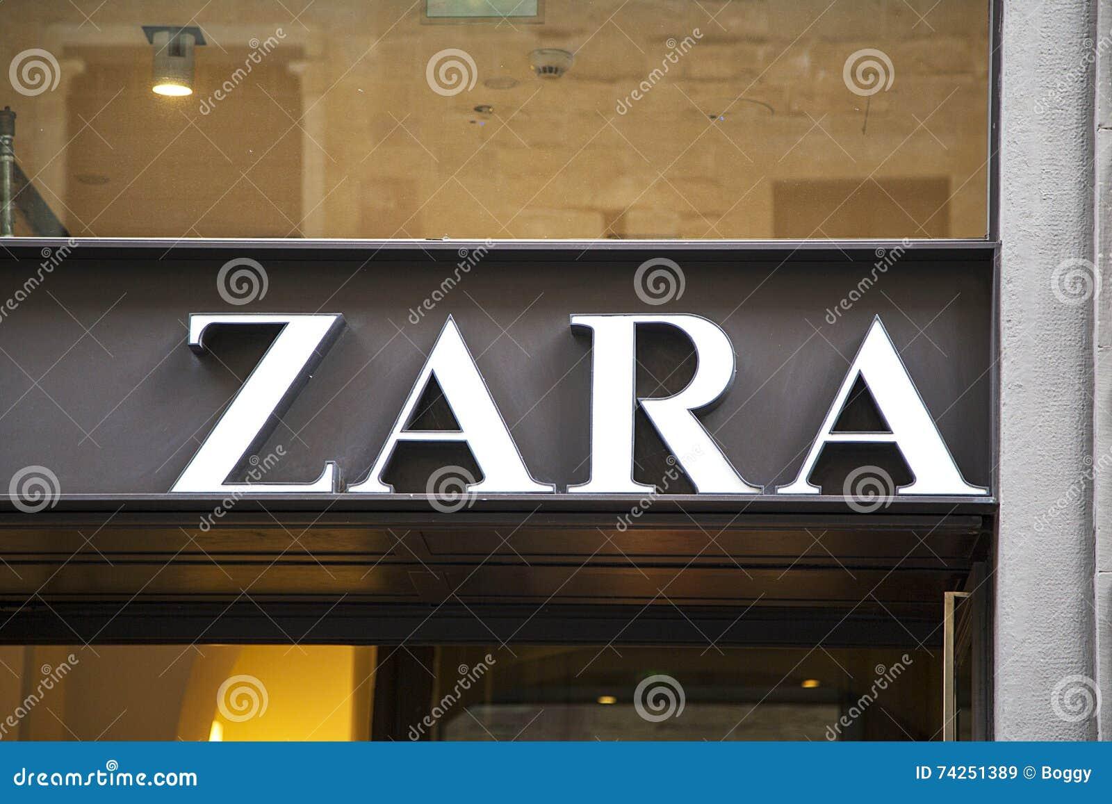 Almacn De Zara Imagen De Archivo Editorial Imagen De Estilo 74251389
