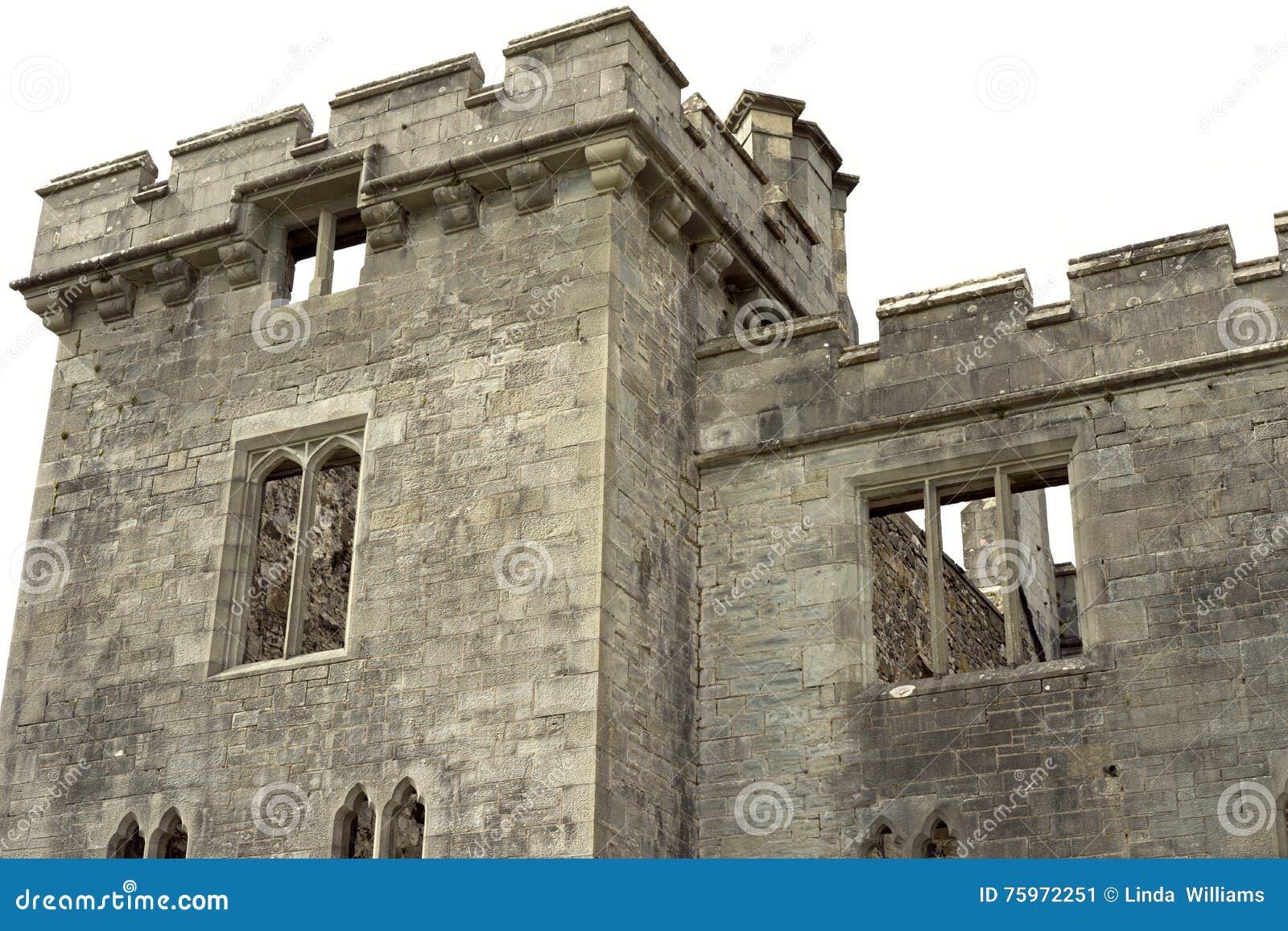 Almenaje medieval de la torre