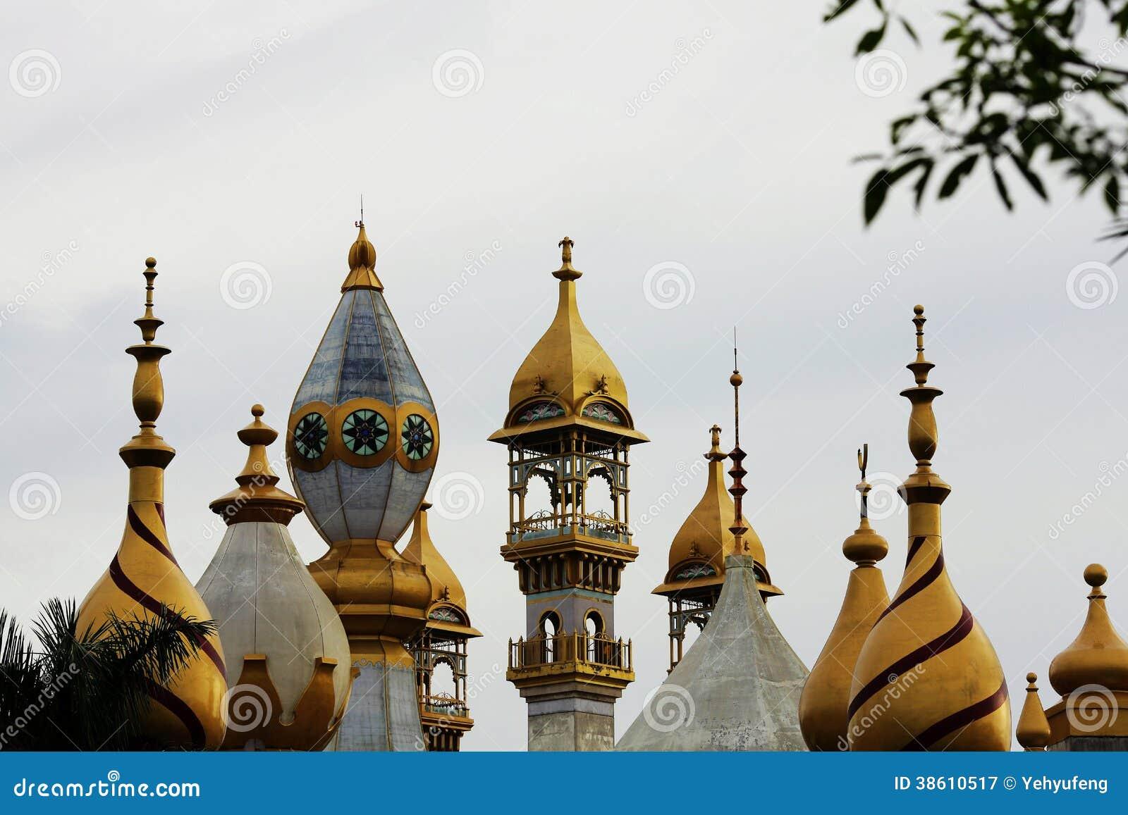 Alminar del Islam, chapitel