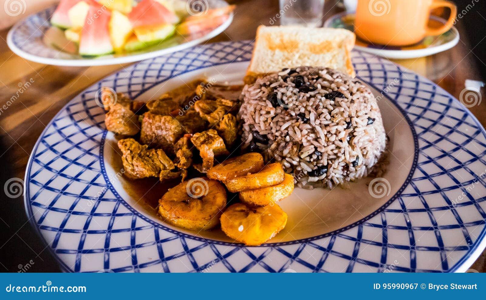 Almuerzo Gallo Pinto Rice del desayuno de Costa Rica Food Tico Meal Dinner y llantén de las habas