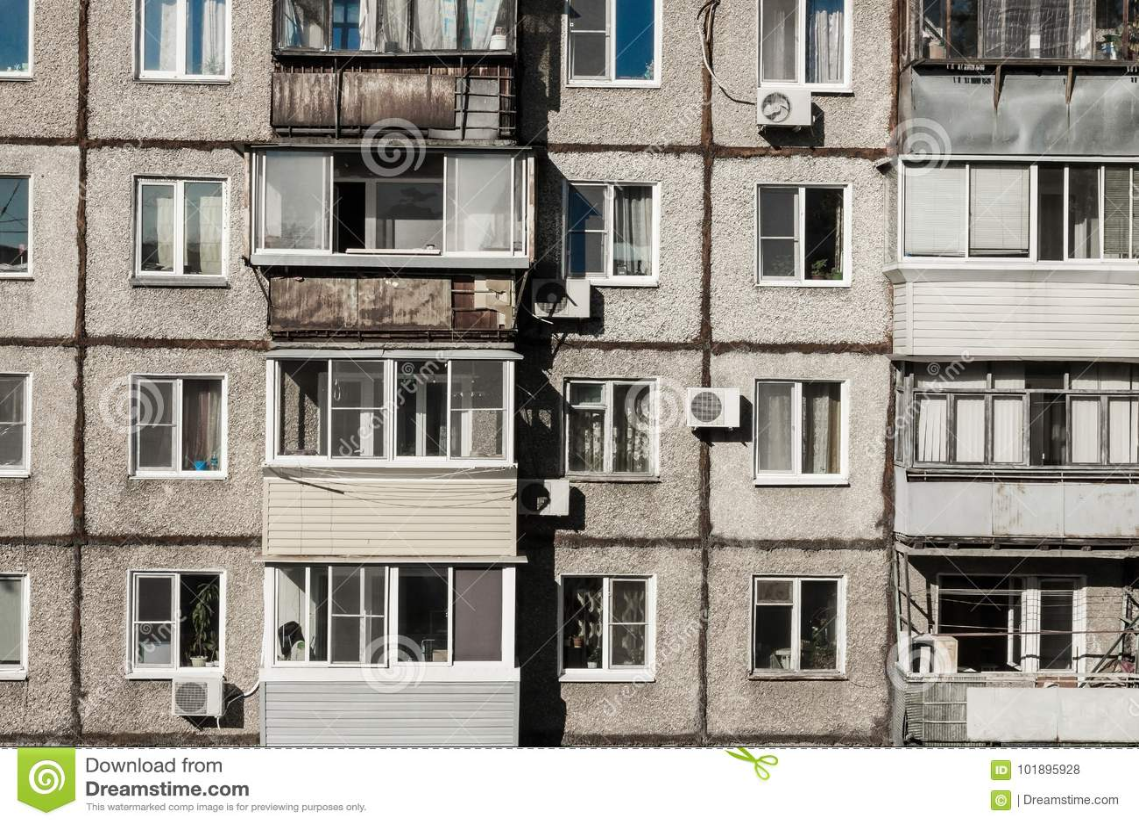 Alojamento velho, pobre, barato