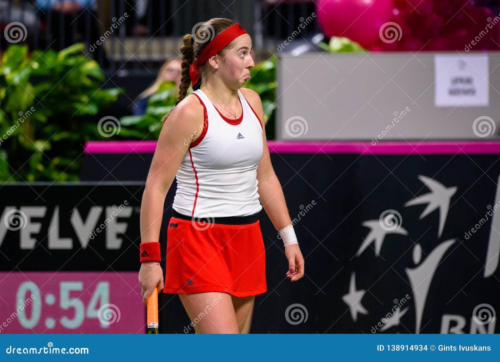 Alona Ostapenko, pendant jeu rond du groupe II du monde le premier entre l équipe Lettonie et l équipe Slovaquie
