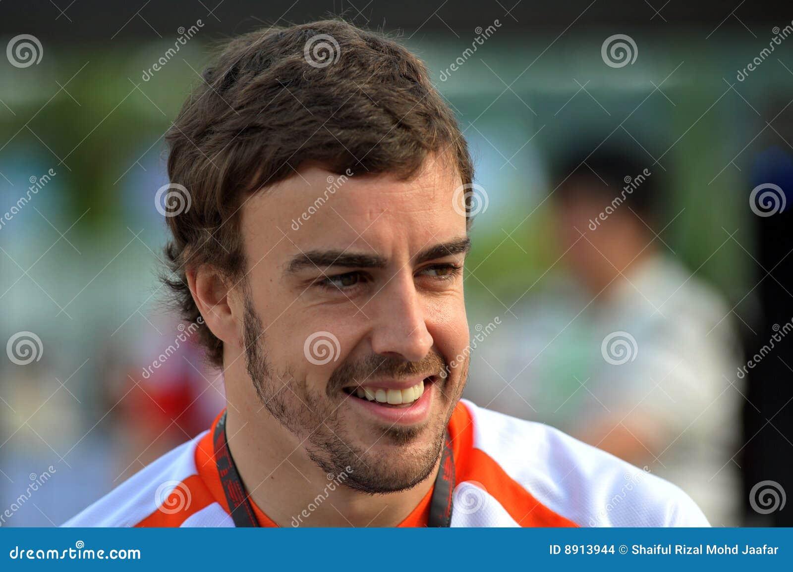Alonso 2009 f1 fernando участвуя в гонке команда renault