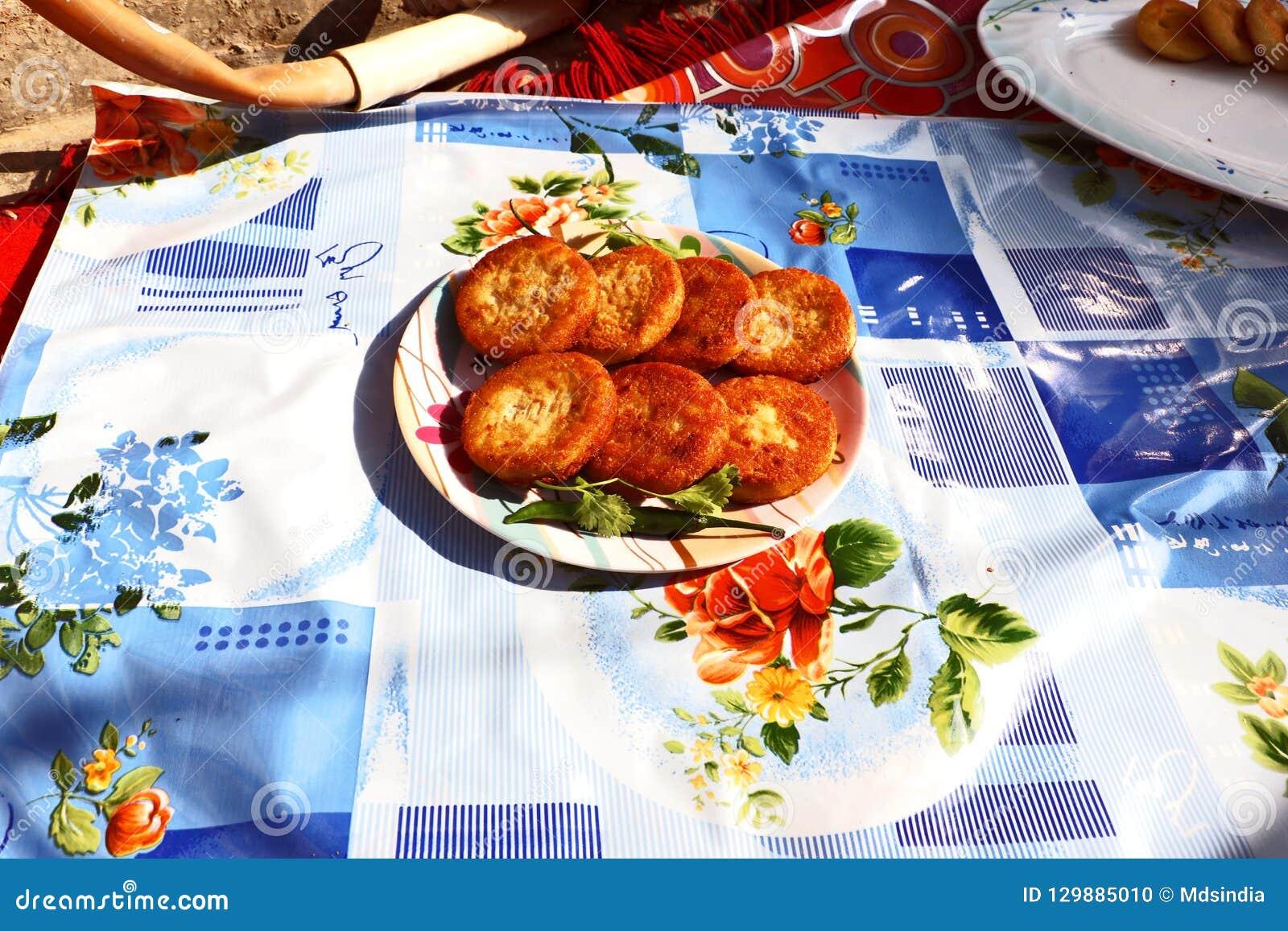 Aloo Tikki或油煎的土豆小馅饼