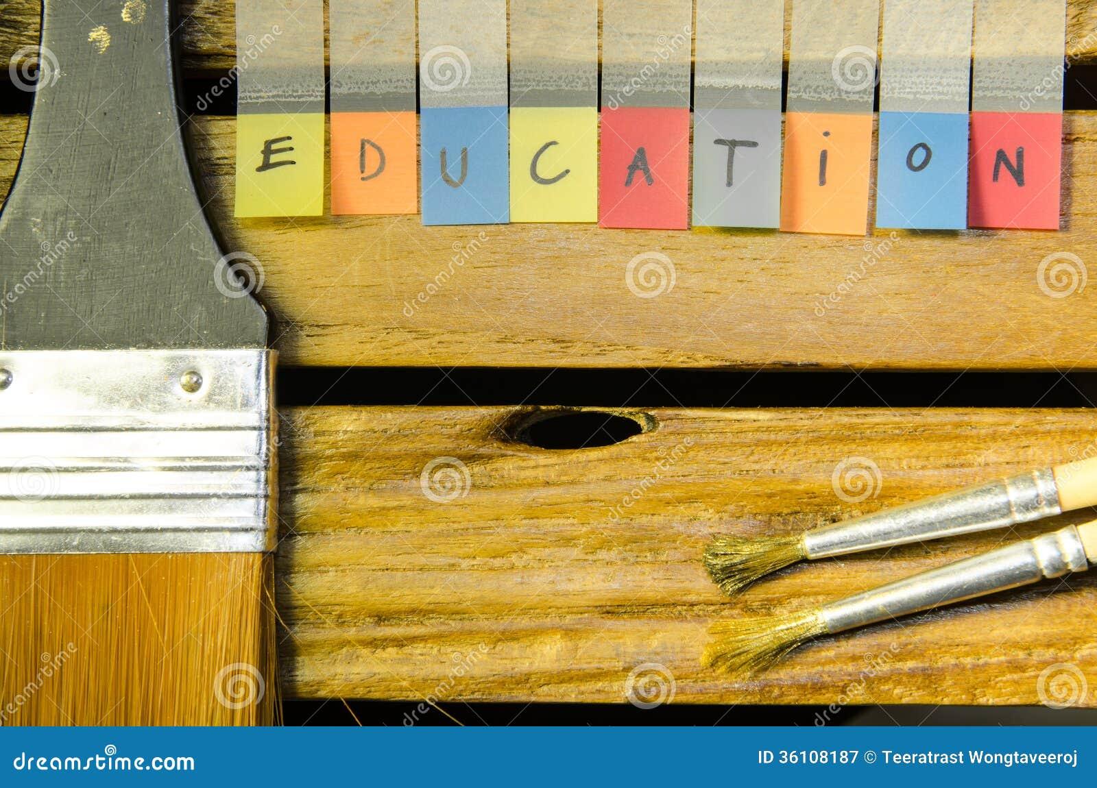 Alpabet образования с щеткой
