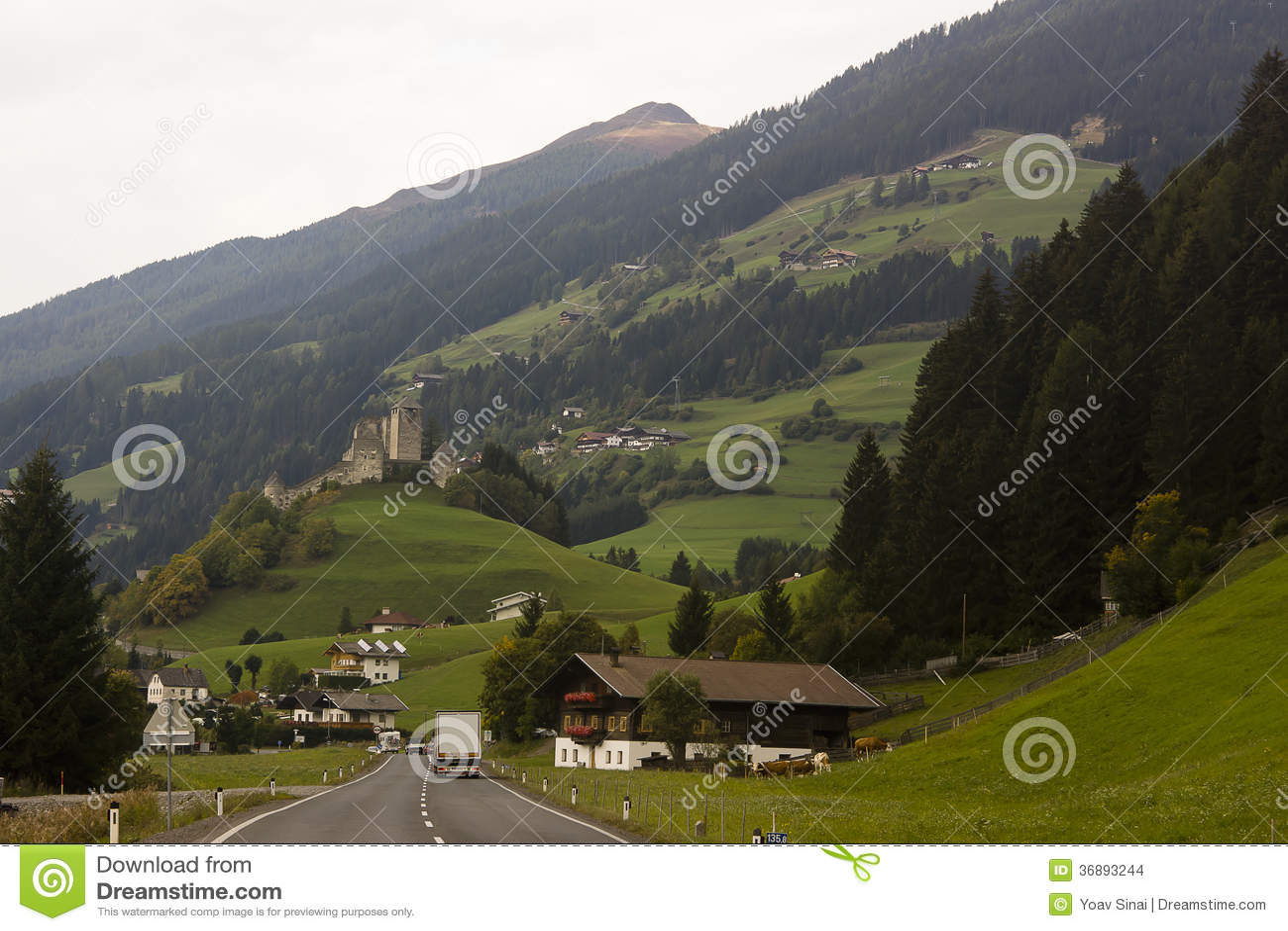 Download Alpi paesaggio, Austria fotografia stock. Immagine di vacanza - 36893244