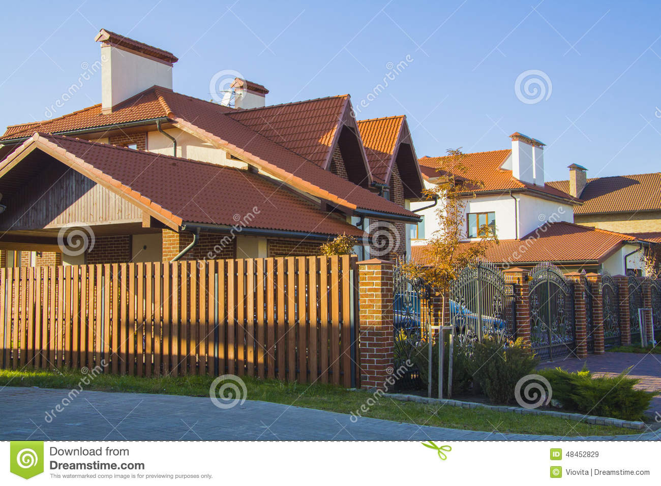 Download Alpine Style House With Court Stock Image