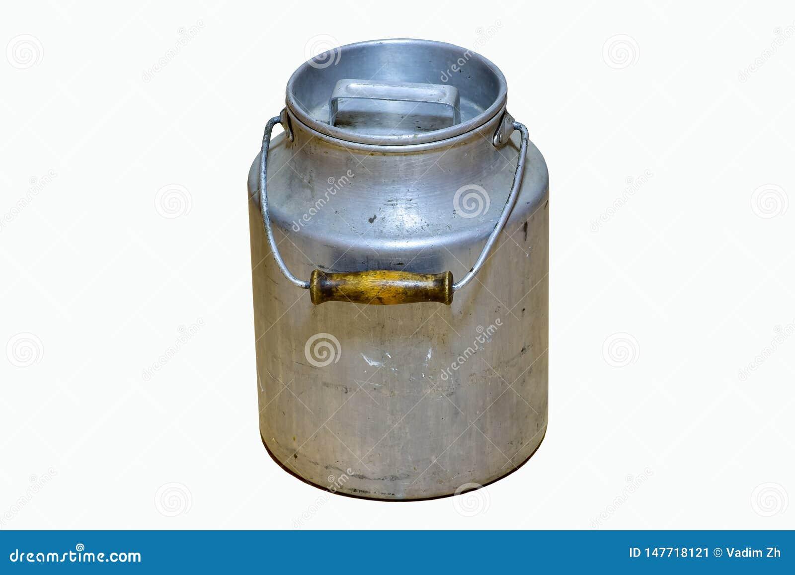 Alt benutzte kleine Aluminiummilchdose, als Alternative zur Anwendung von Plastikbehältern