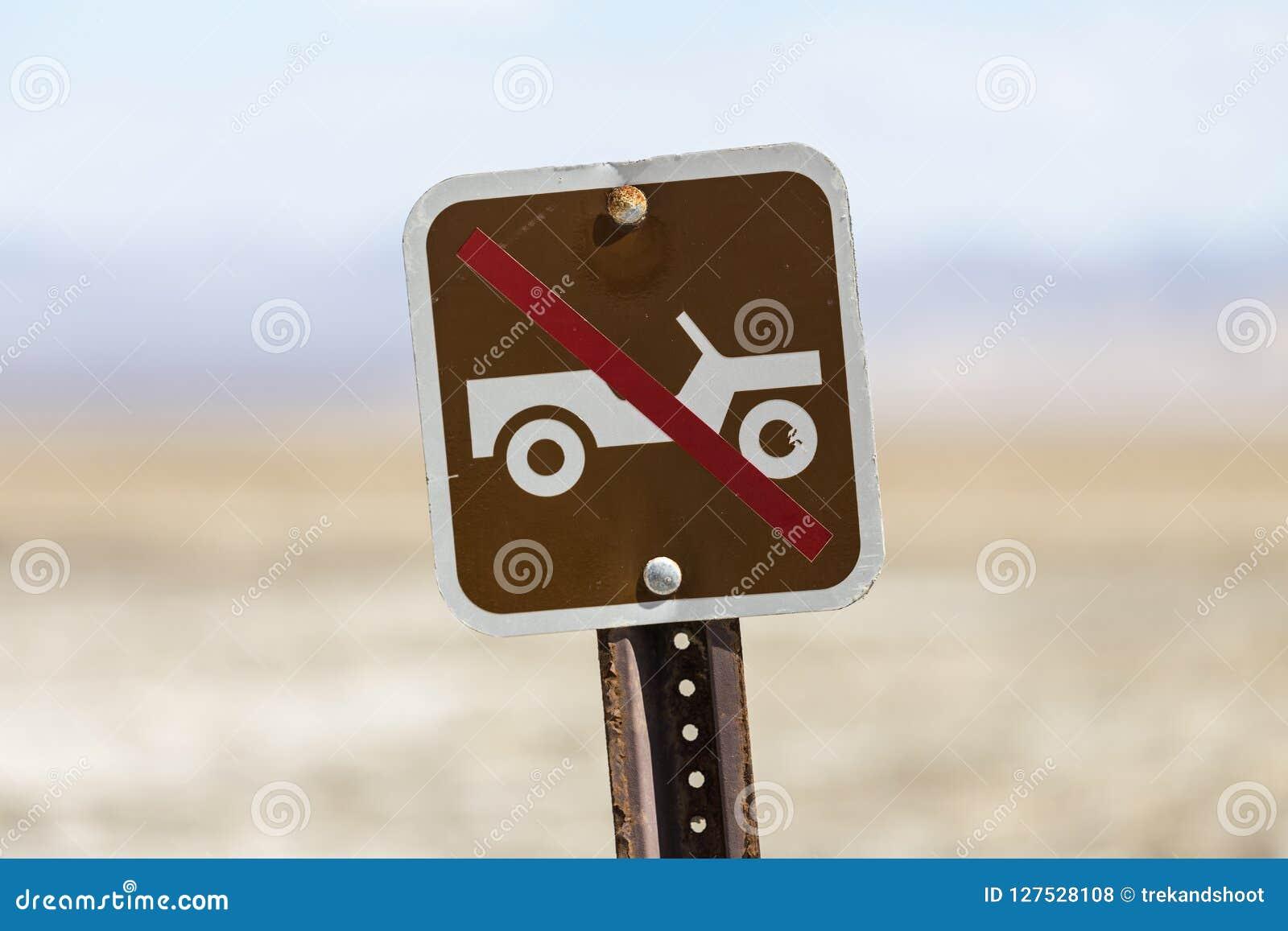 Alt keine weg Straße, die Zeichen fährt