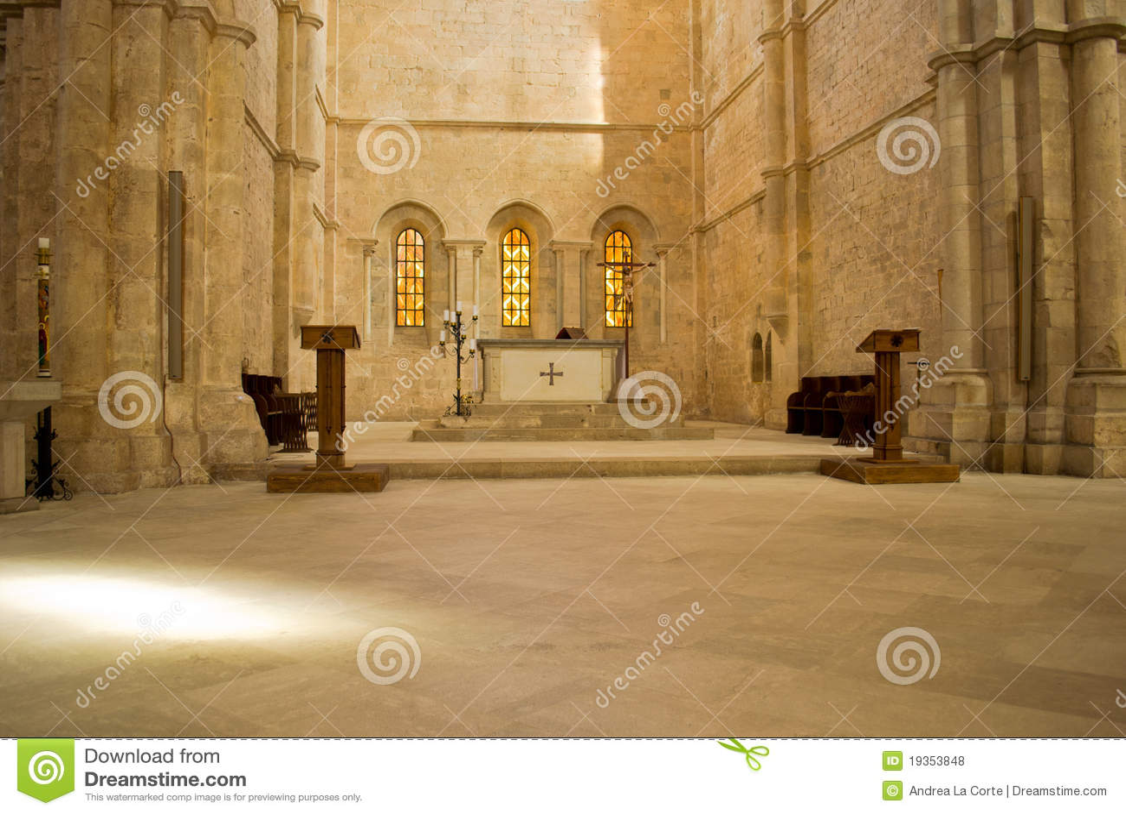Altar na igreja italiana antiga