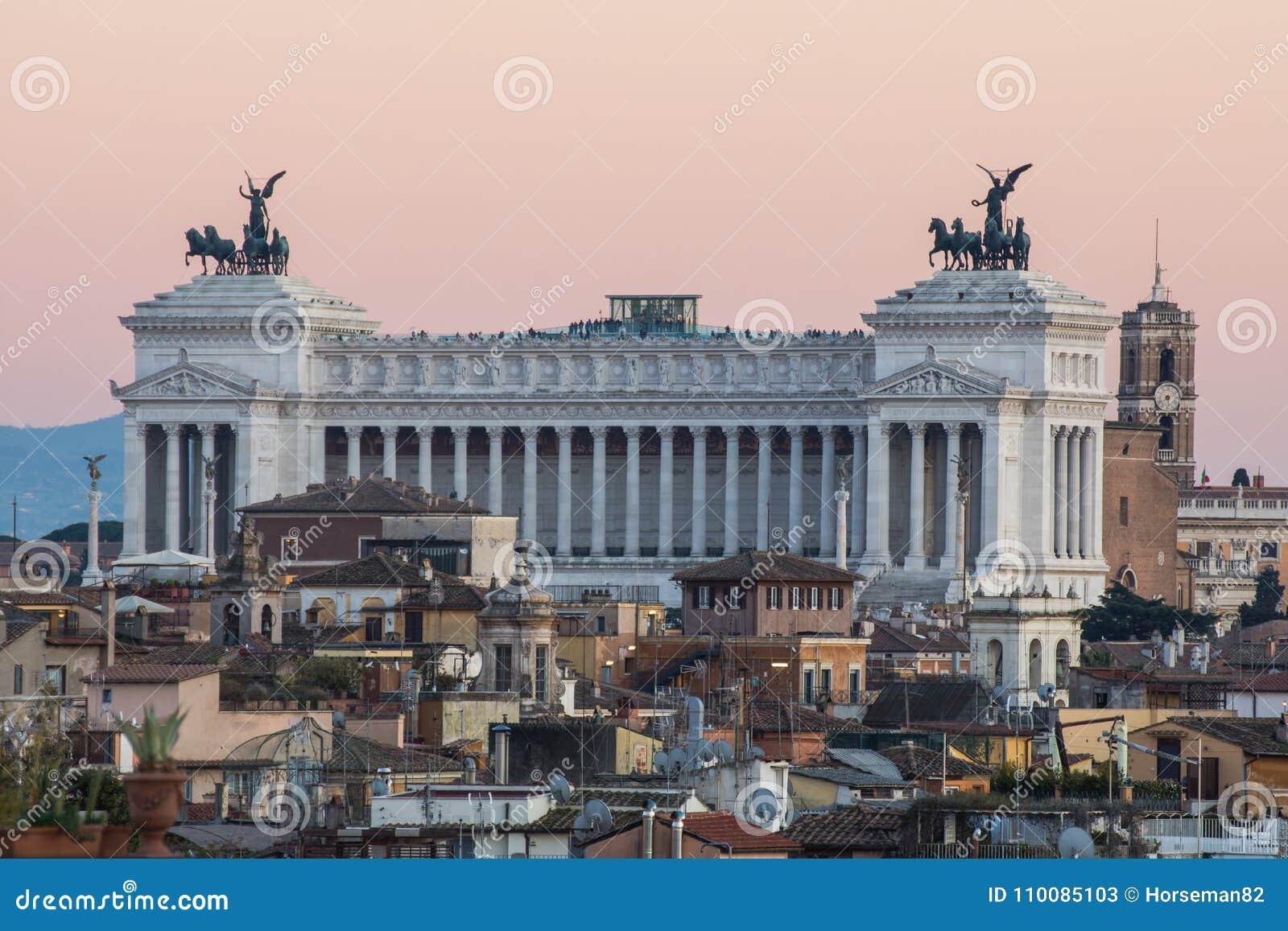 Altare della Patria, Rome på solnedgången
