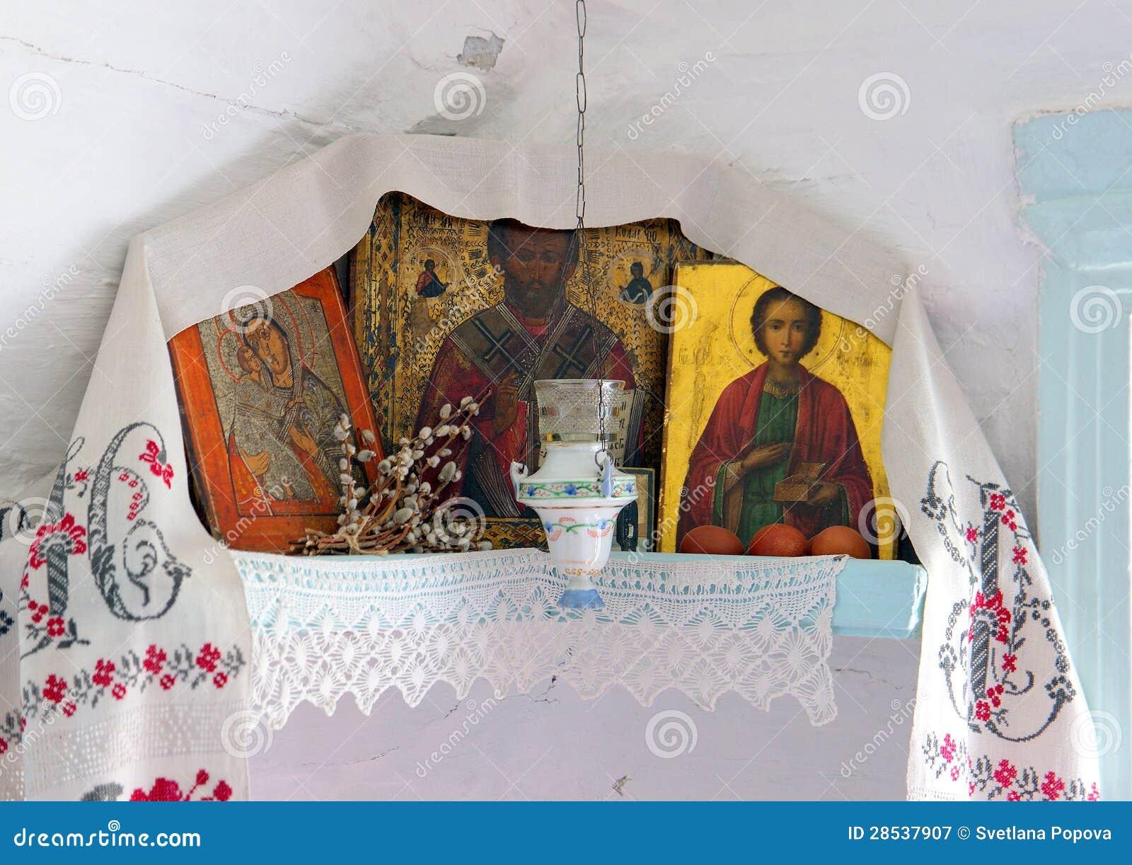 Altare nell 39 angolo della casa di campagna russa for Programma di disegno della casa libera