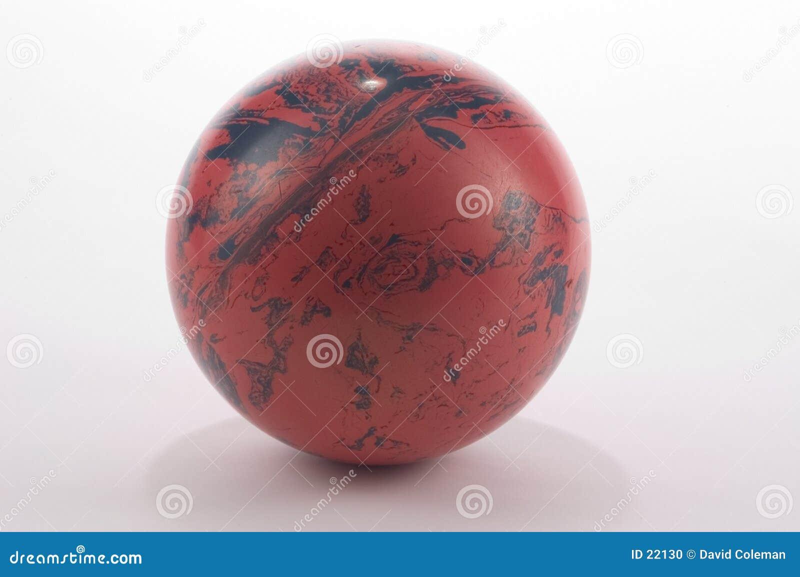 Alte Bowlingspiel-Kugel