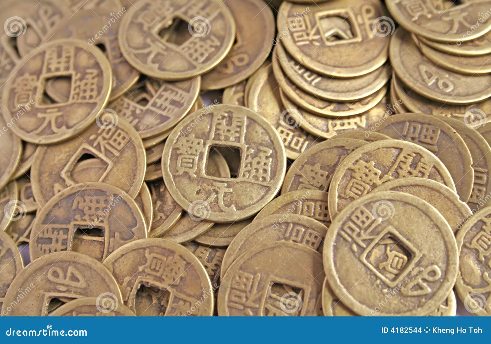 Alte Chinesische Münzen In Einem Stapel Stockfoto Bild Von