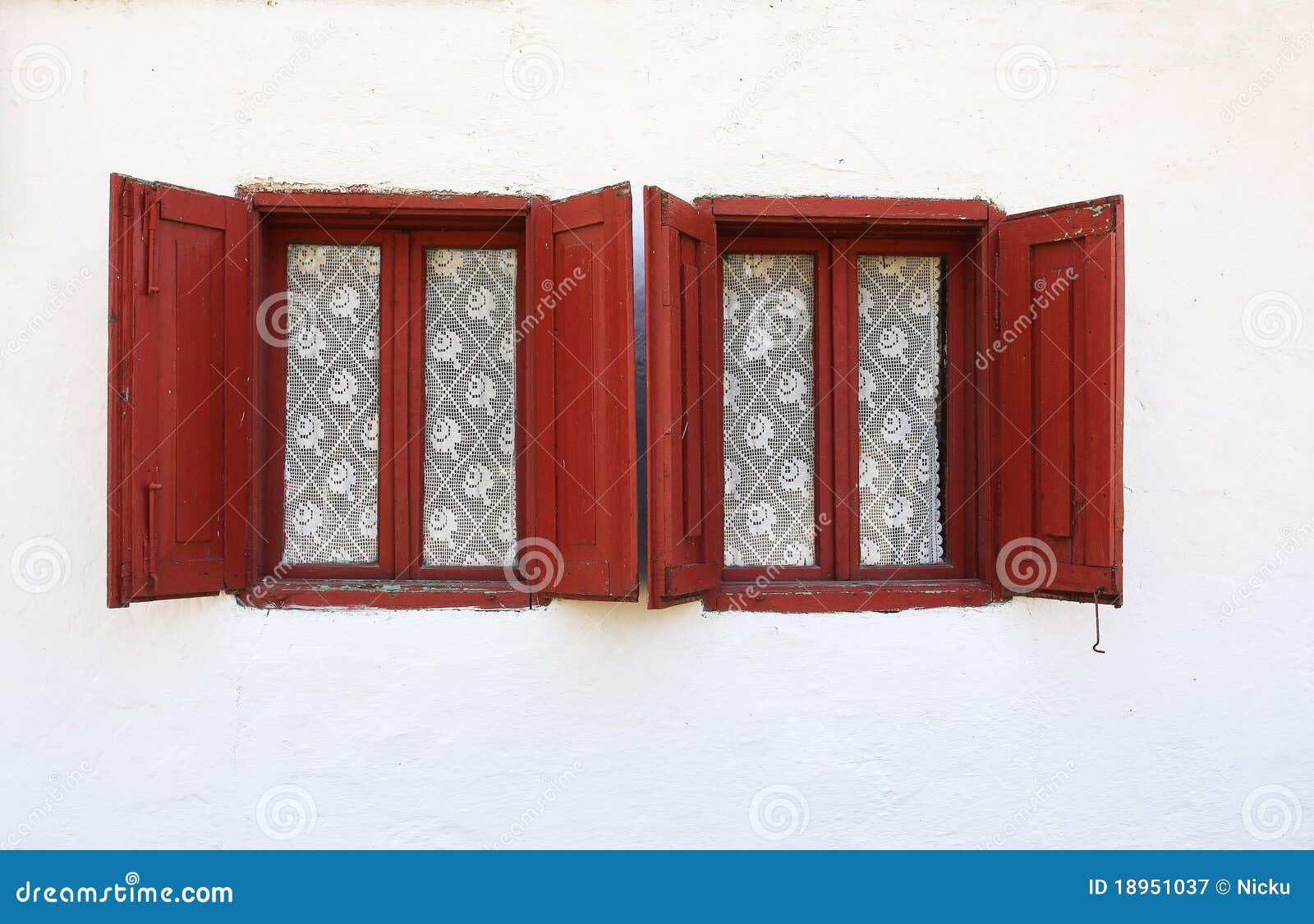 Alte Fenster mit Blendenverschlüssen