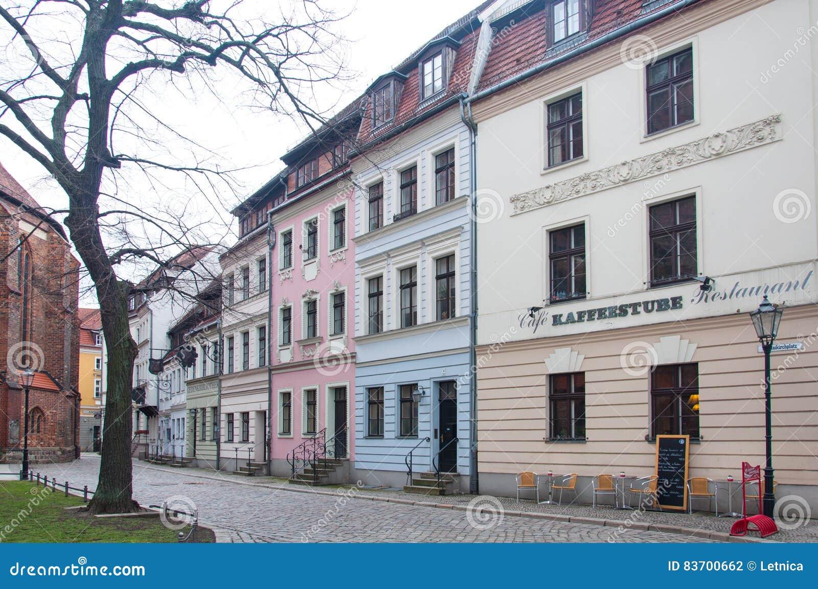 Alte Häuser in Berlin redaktionelles stockfotografie. Bild von außen ...