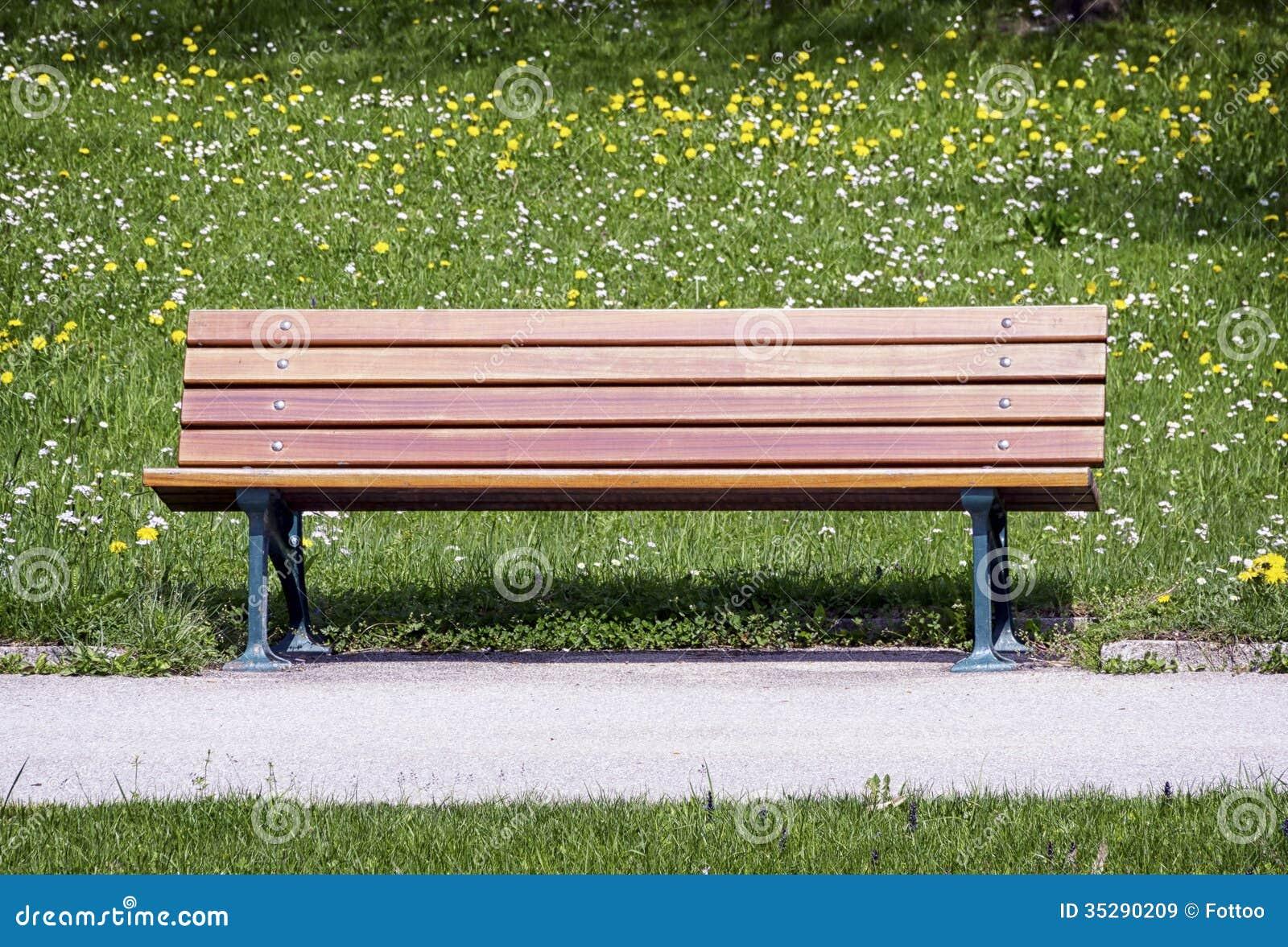 alte holzbank lizenzfreie stockbilder bild 35290209. Black Bedroom Furniture Sets. Home Design Ideas