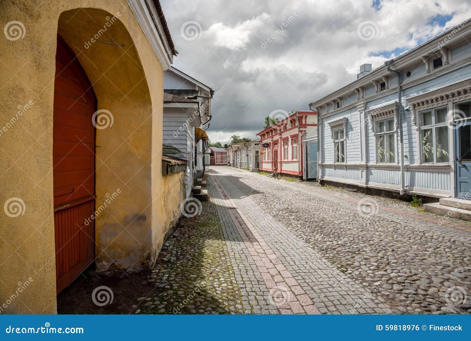 alte holzh user in rauma finnland stockfoto bild von haus skandinavien 59818976. Black Bedroom Furniture Sets. Home Design Ideas