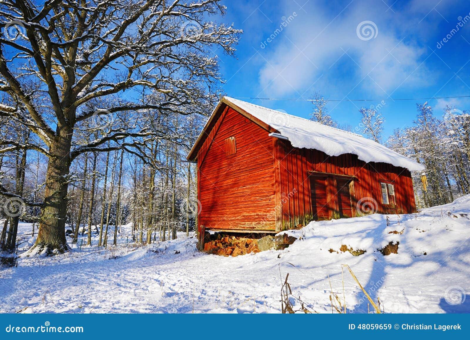alte h uschen h user in einem verschneiten winter. Black Bedroom Furniture Sets. Home Design Ideas