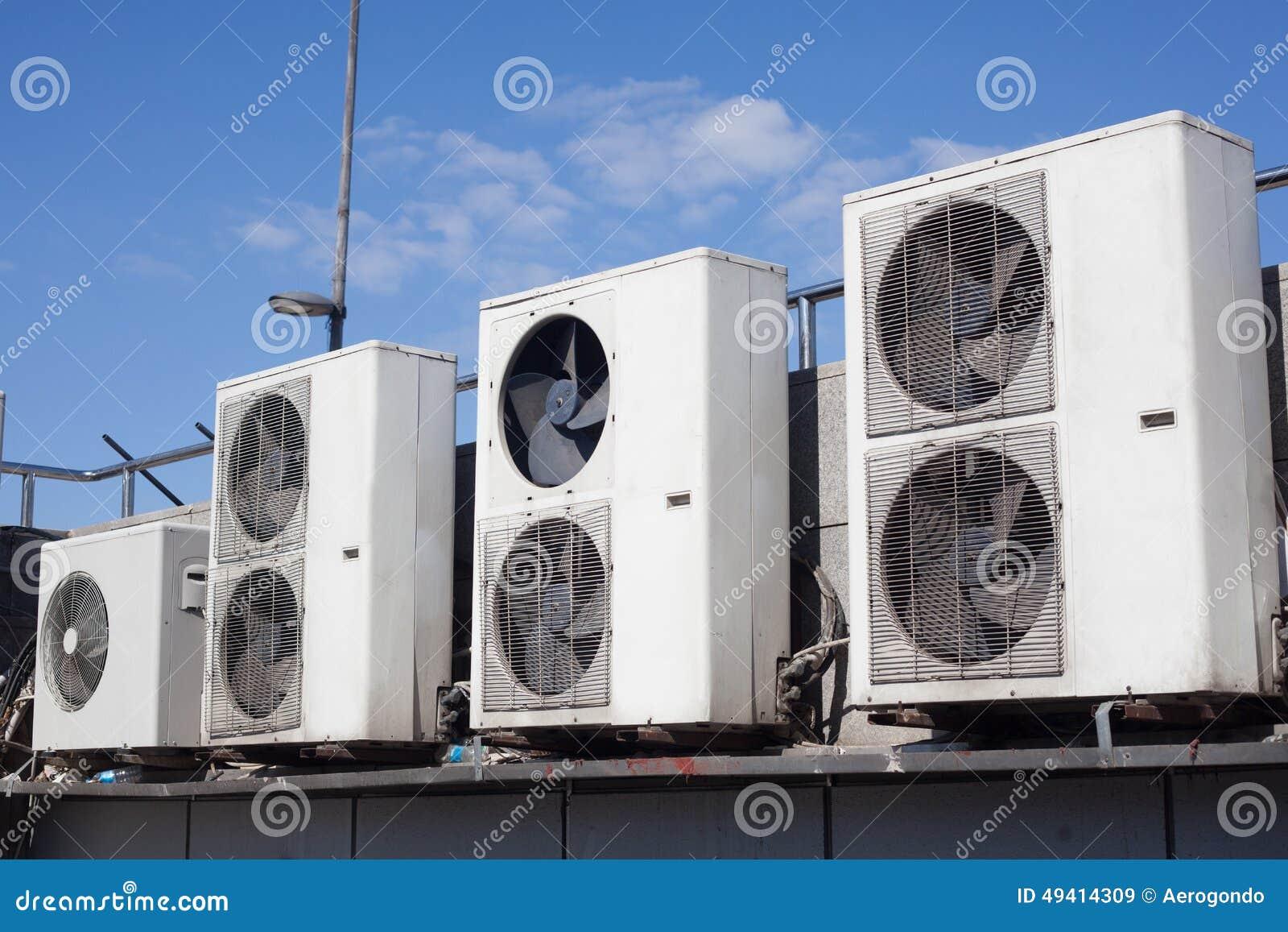 Download Alte Klimaanlagen Im Freien Stockbild - Bild von dach, konditionierung: 49414309
