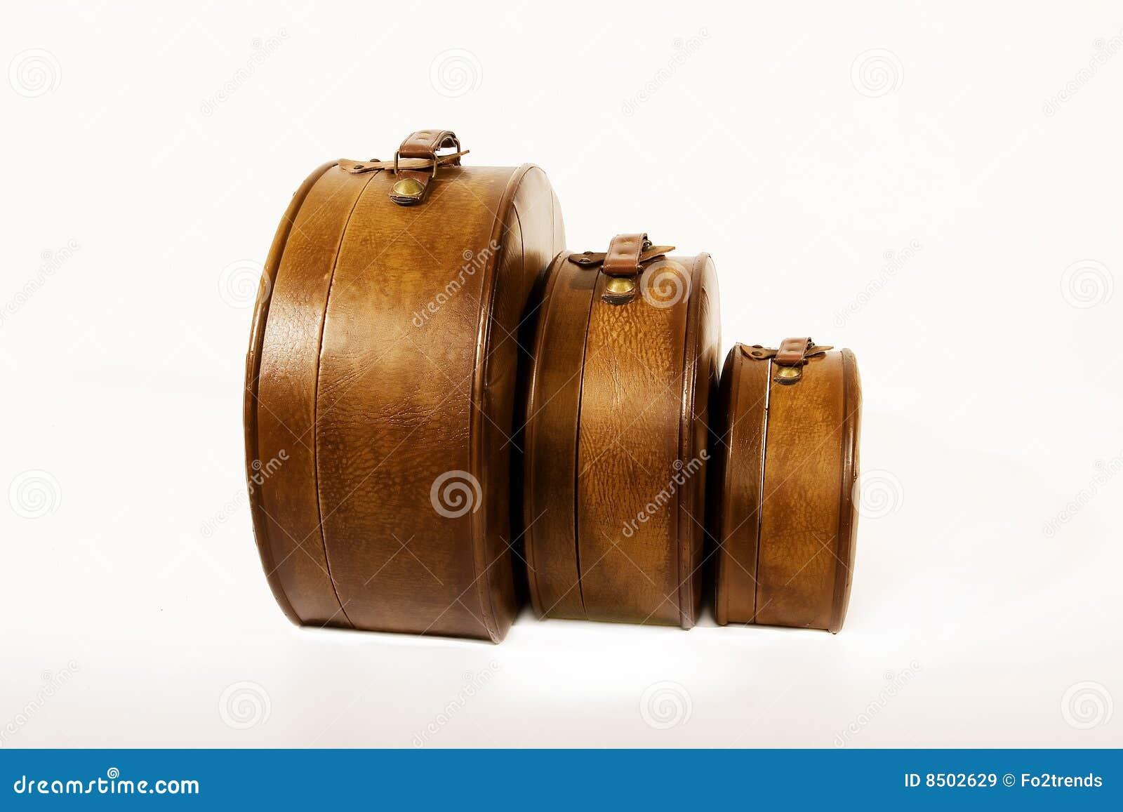 Alte koffer lizenzfreie stockbilder bild 8502629 - Alte koffer dekorieren ...