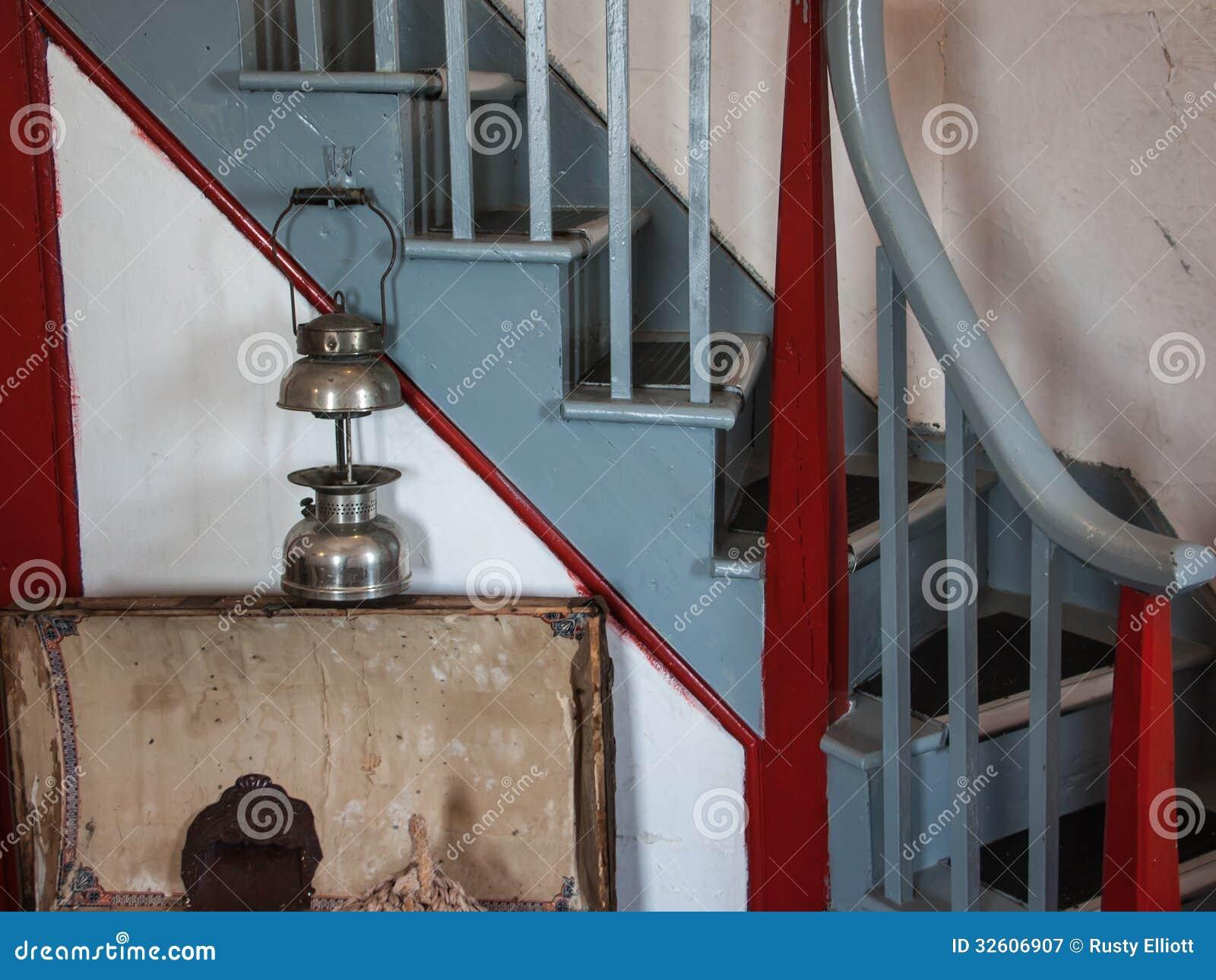 Alte Lampe Und Treppenhaus Stockbild Bild Von Treppenhaus 32606907