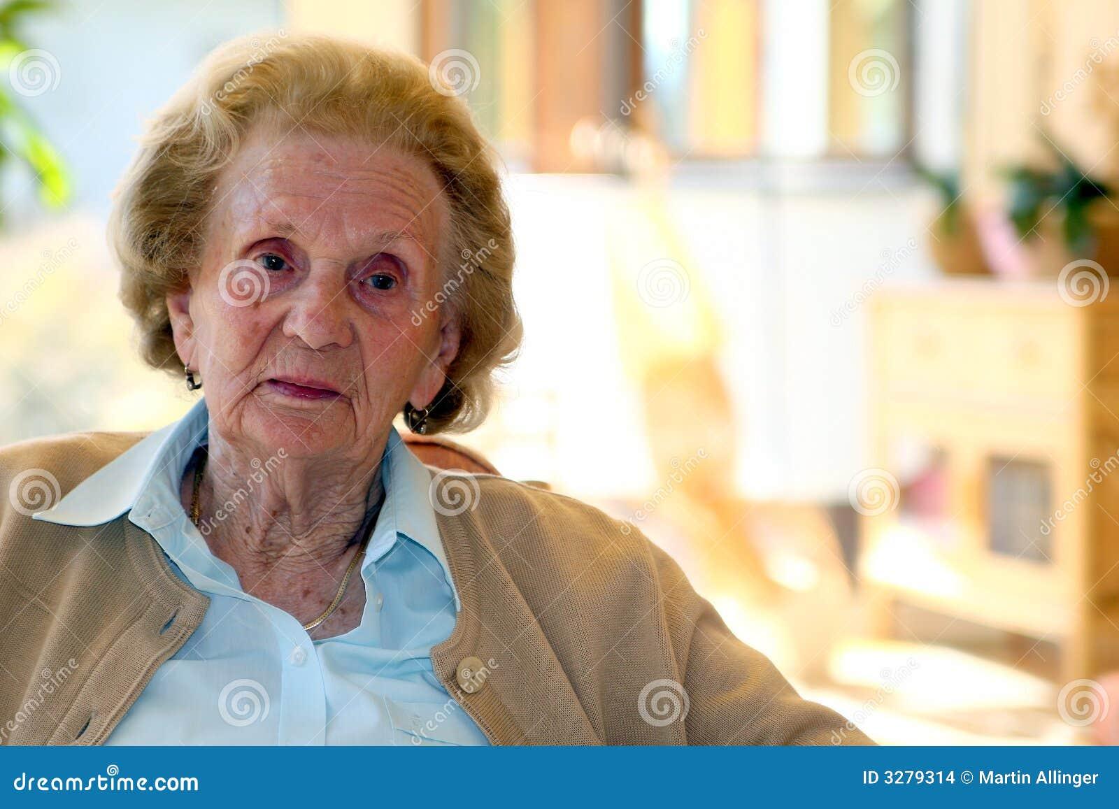 Grannies in ICLOUD LEAK images 75