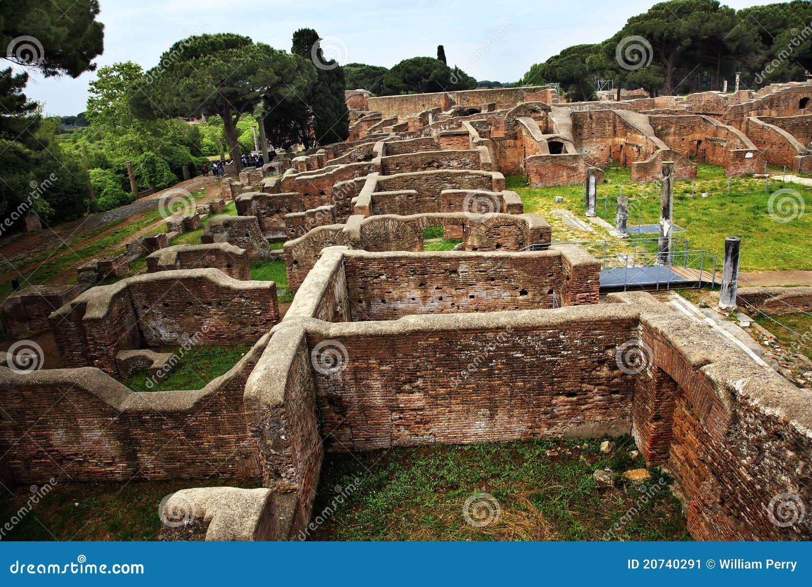 Alte r mische ruinen ostia antica rom italien stockbild for Mr arredamenti ostia antica