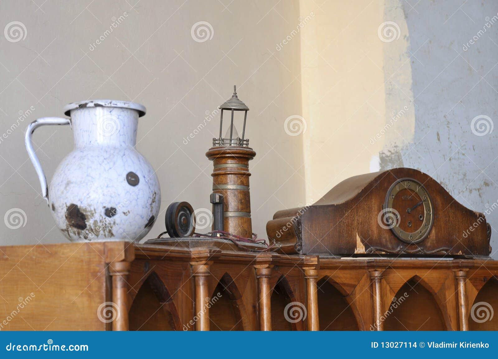 alte sachen stockfoto bild von f hler borduhr produkte 13027114. Black Bedroom Furniture Sets. Home Design Ideas