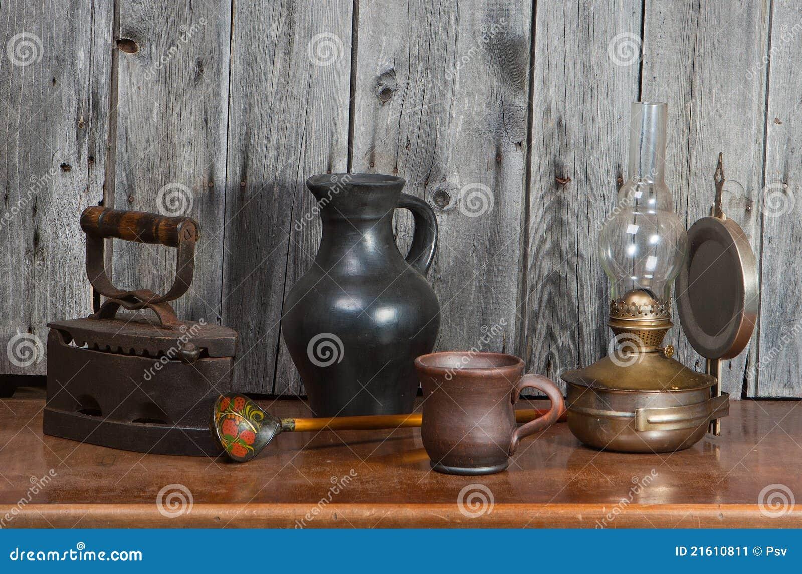 alte sachen stockbild bild von laterne keramik nachricht 21610811. Black Bedroom Furniture Sets. Home Design Ideas
