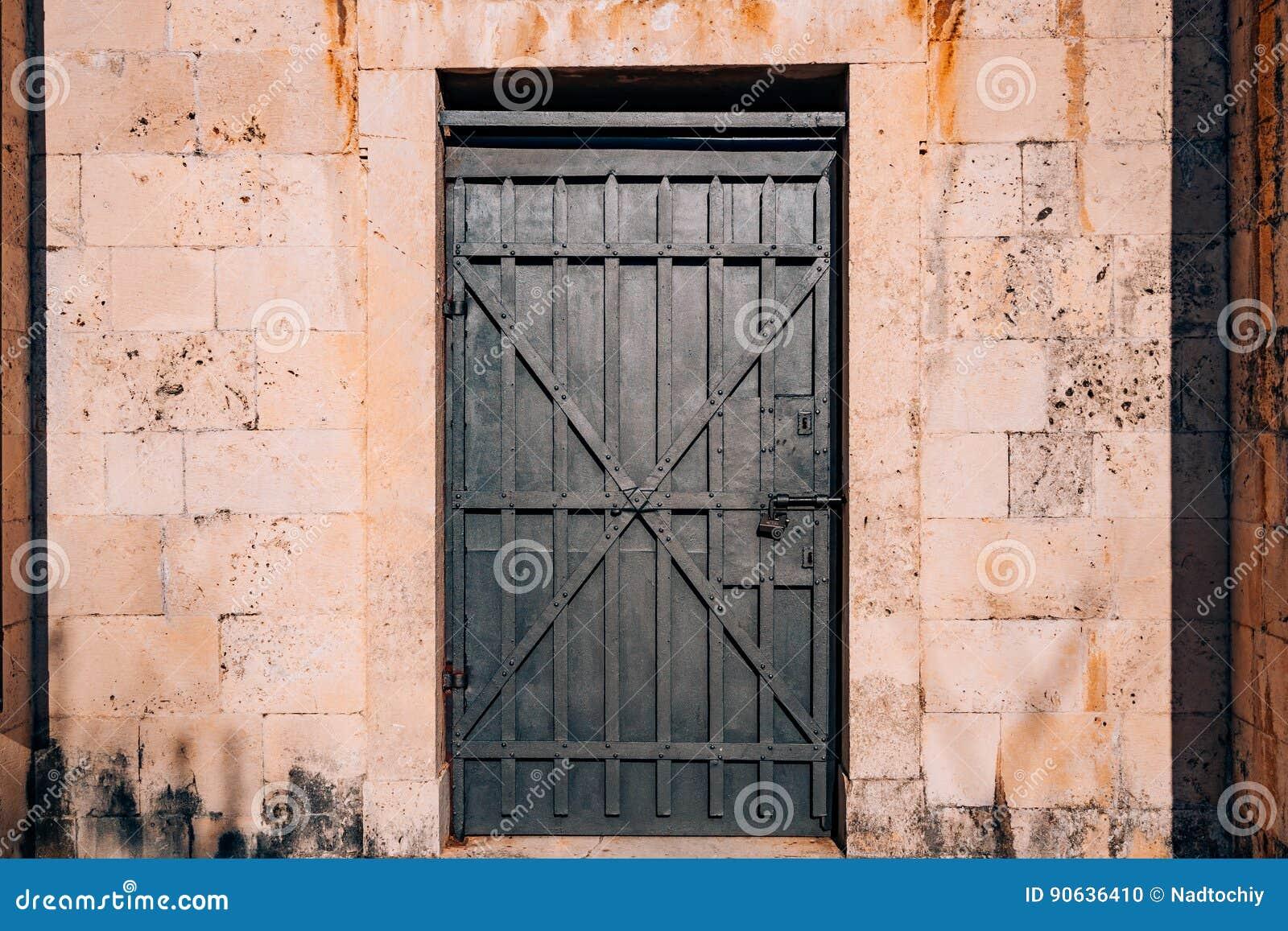 Schwarze Türen alte schwarze türen hölzerne beschaffenheit beschaffenheit des