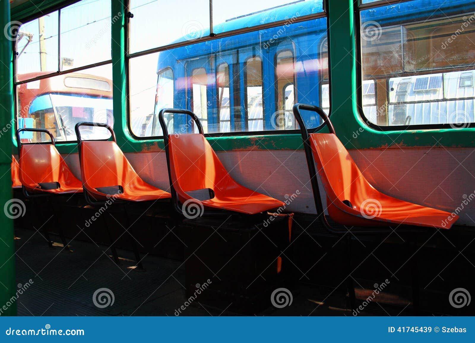 Alte Tram-Sitze