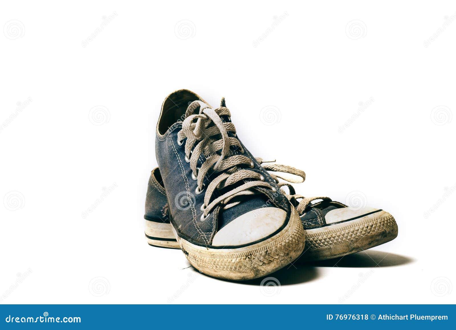 Alte U. Schmutzige Schuhe Lokalisiert Auf Weißem Hintergrund