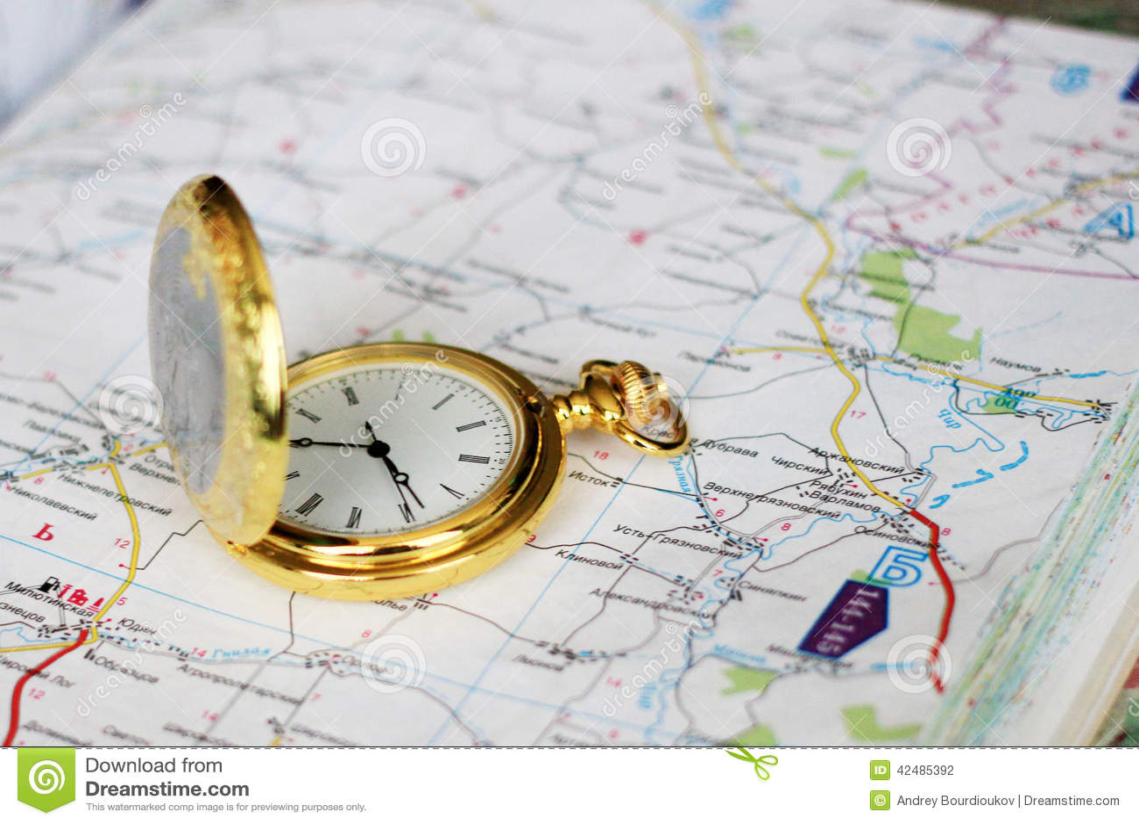 Alte Uhr Und Landkarte Stockfoto Bild Von Geographisch 42485392