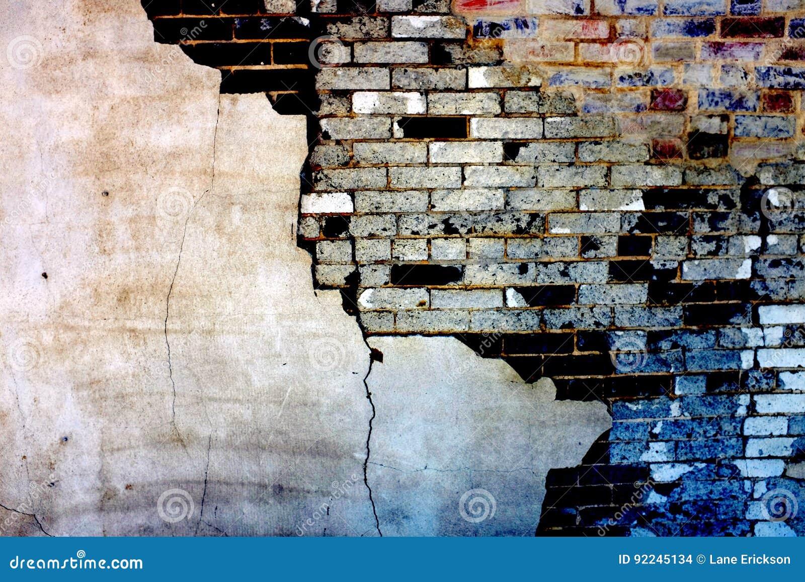 Alte Wand Mit Ziegelsteinen Und Dem Stuck-Gips, Der Auseinander ...