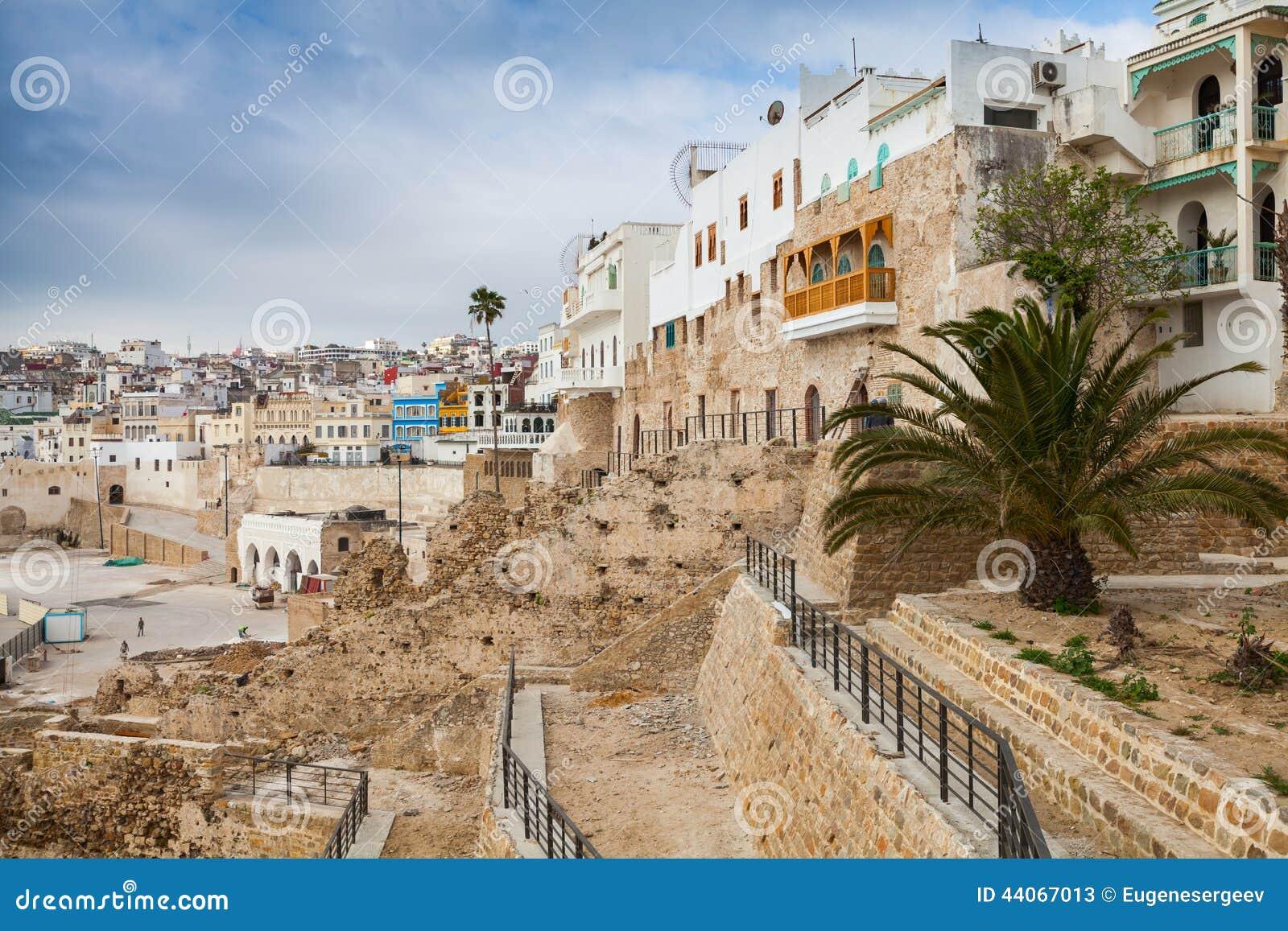 alte w nde und h user in medina tangier marokko stockfoto bild 44067013. Black Bedroom Furniture Sets. Home Design Ideas
